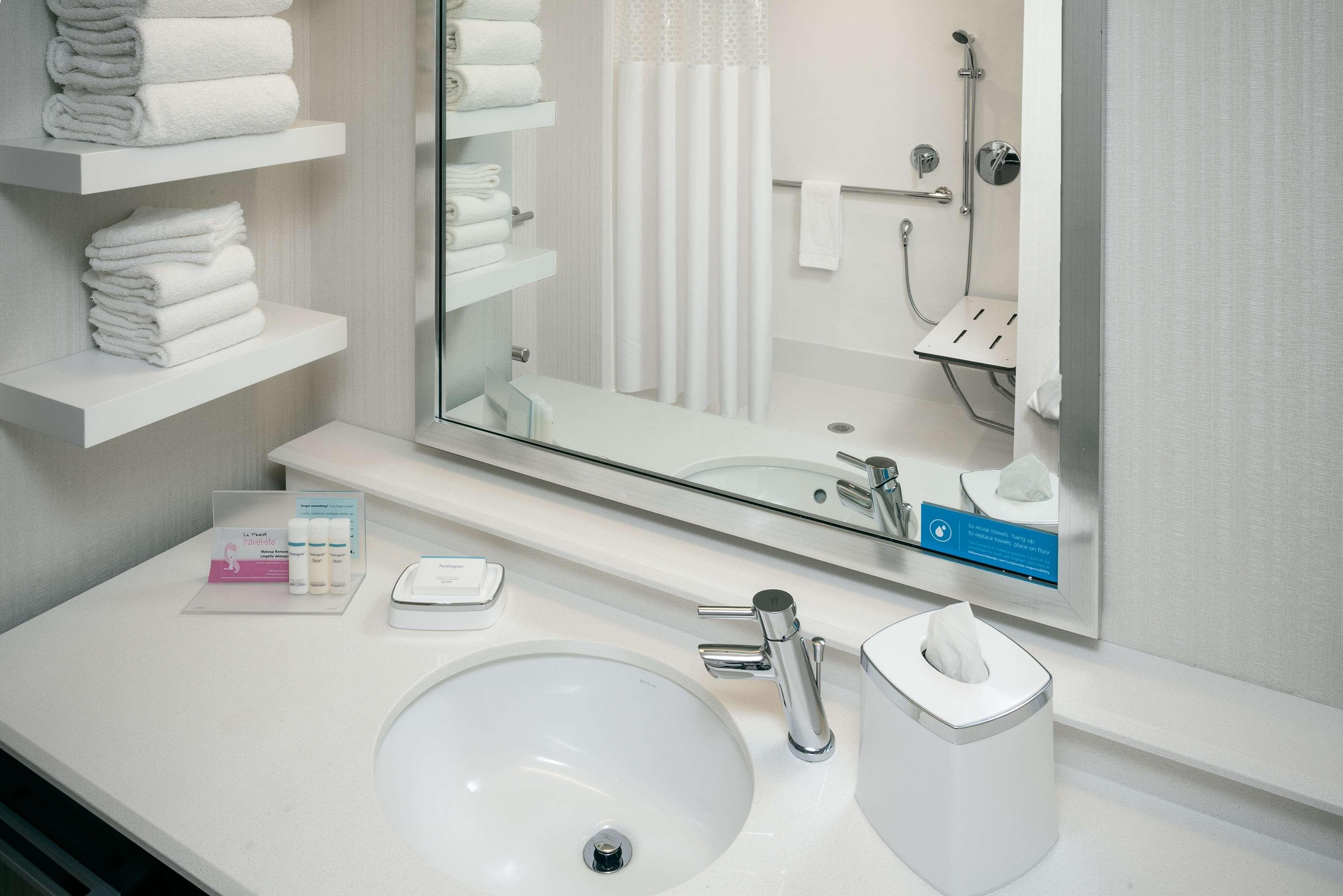 Hampton Inn & Suites by Hilton Seattle/Northgate image 16