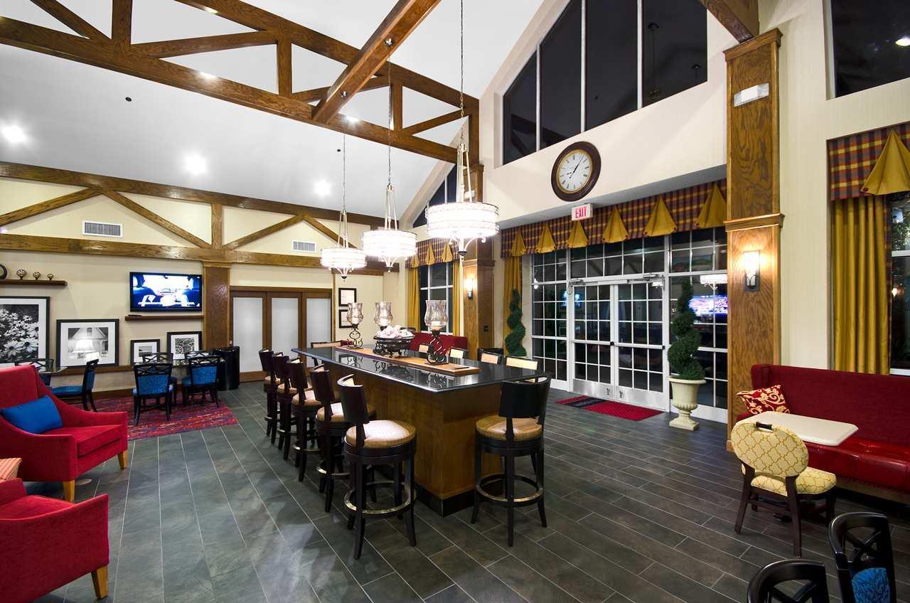 Hampton Inn & Suites Raleigh/Cary I-40 (PNC Arena) image 3