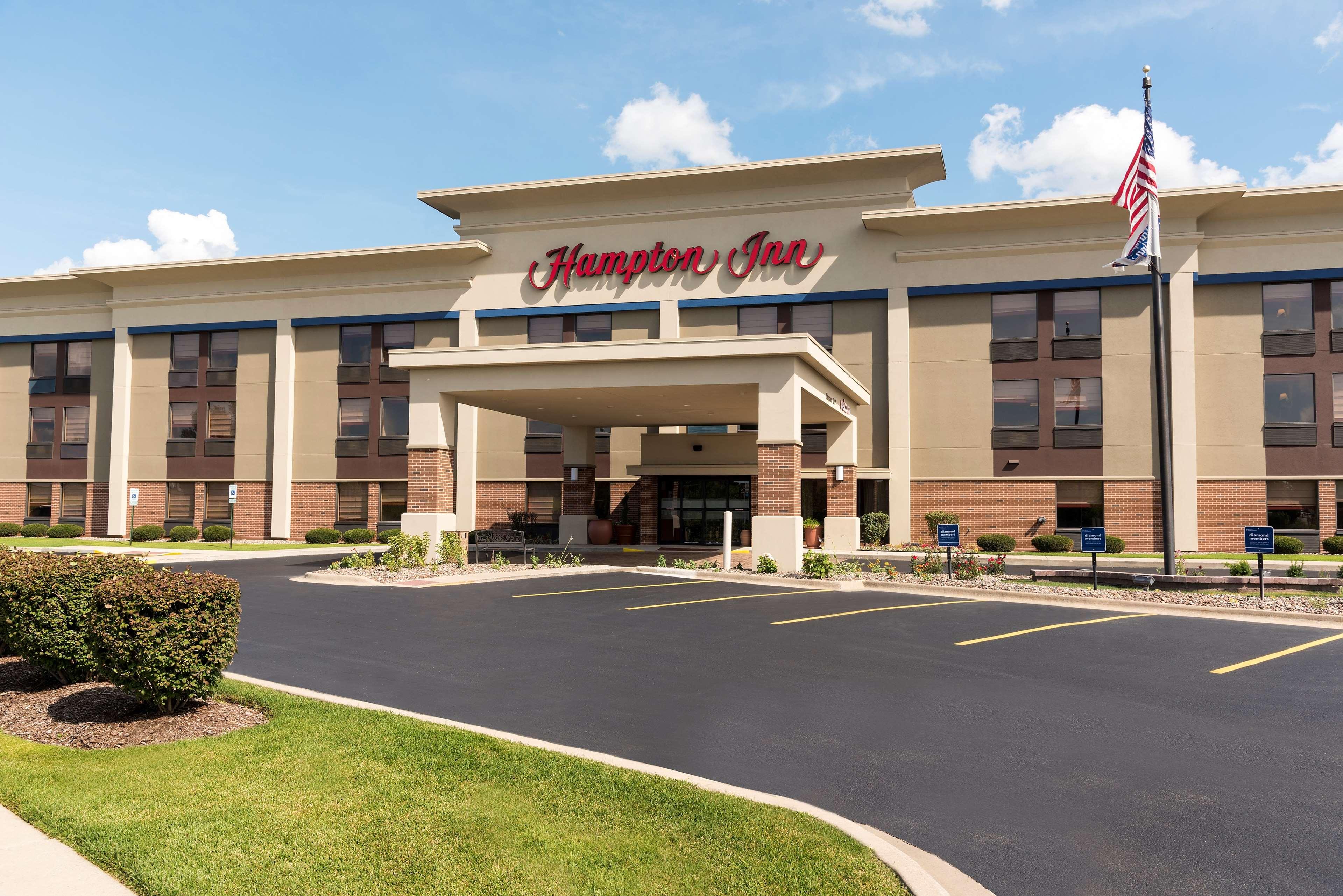 Hampton Inn Joliet - I-80 image 3