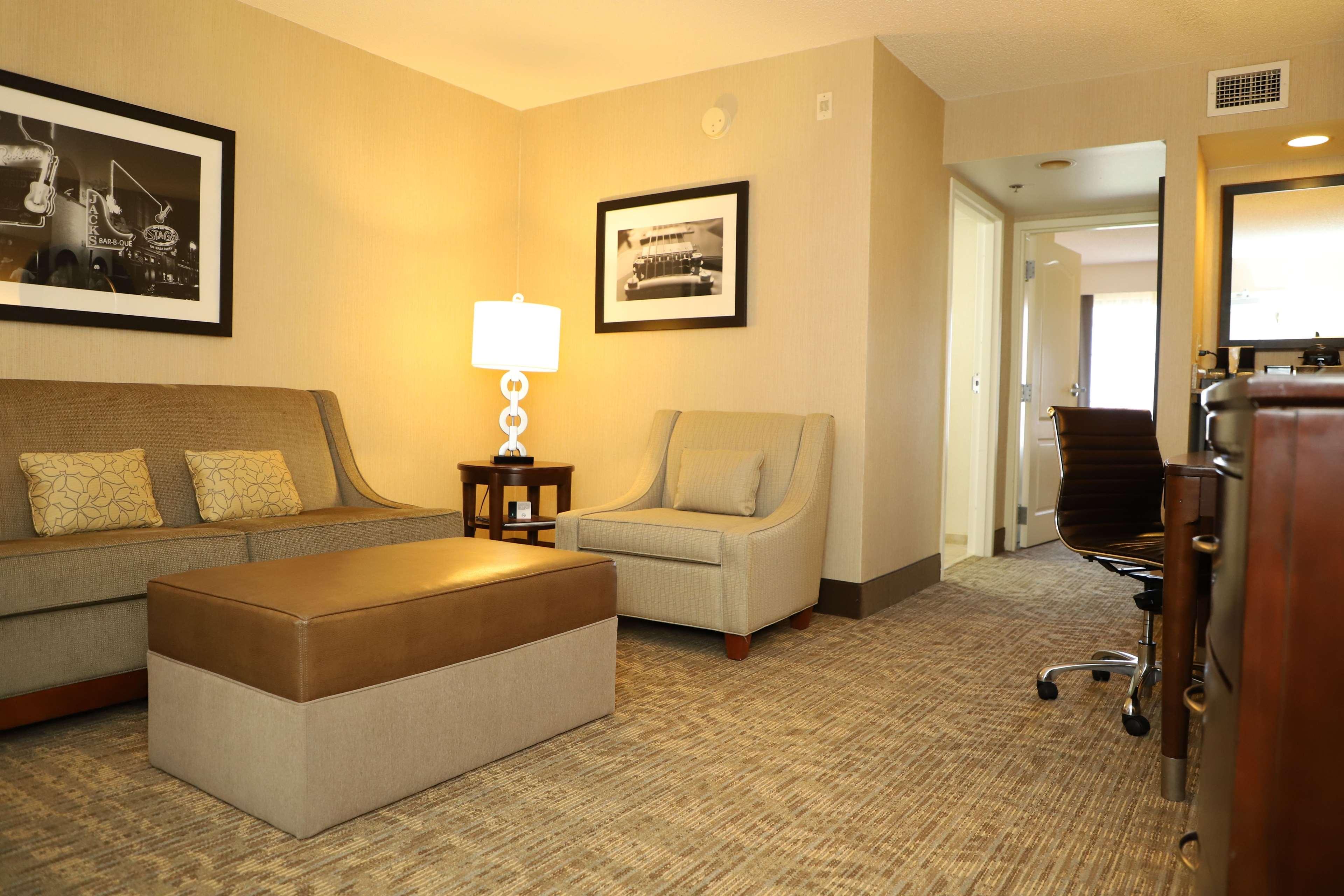 Embassy Suites by Hilton Nashville at Vanderbilt image 35