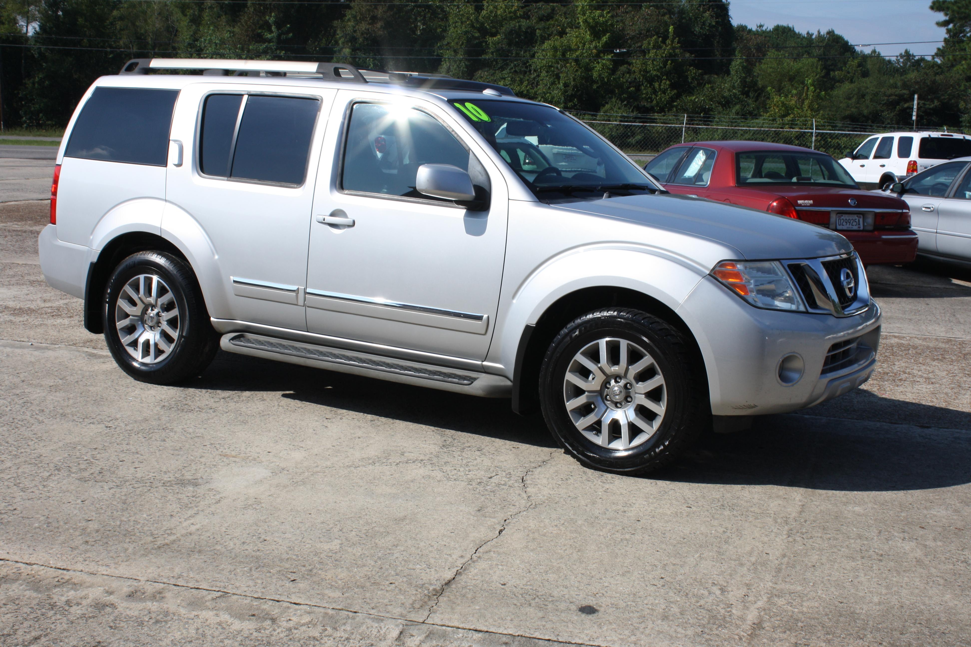Roberts Auto Sales image 12