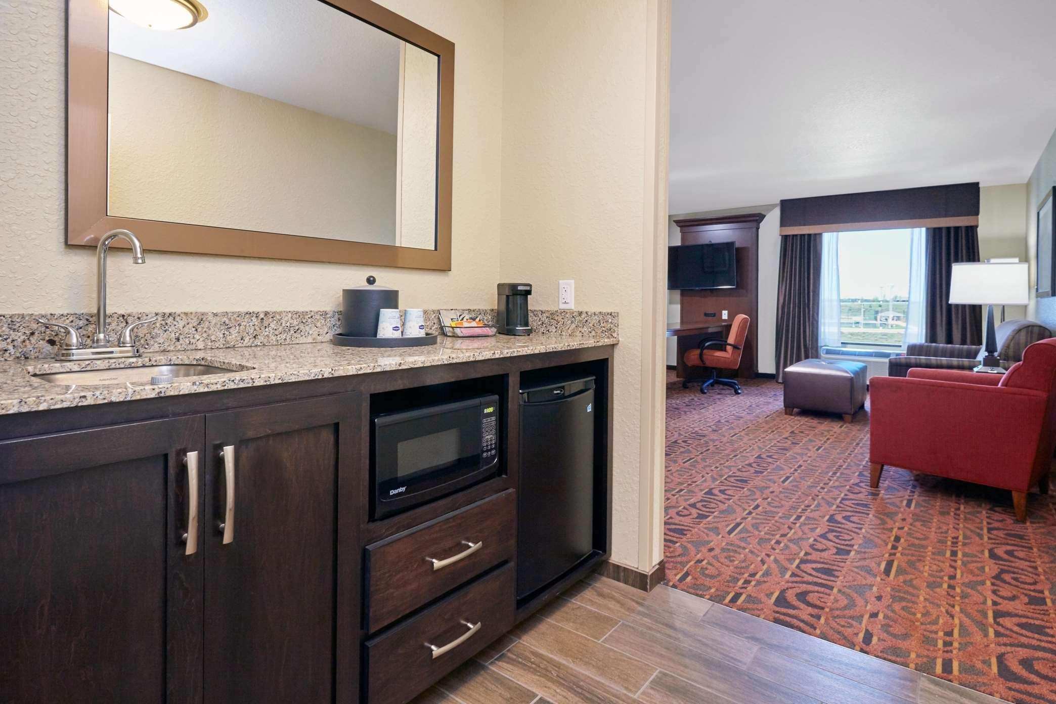 Hampton Inn & Suites Milwaukee/Franklin image 33