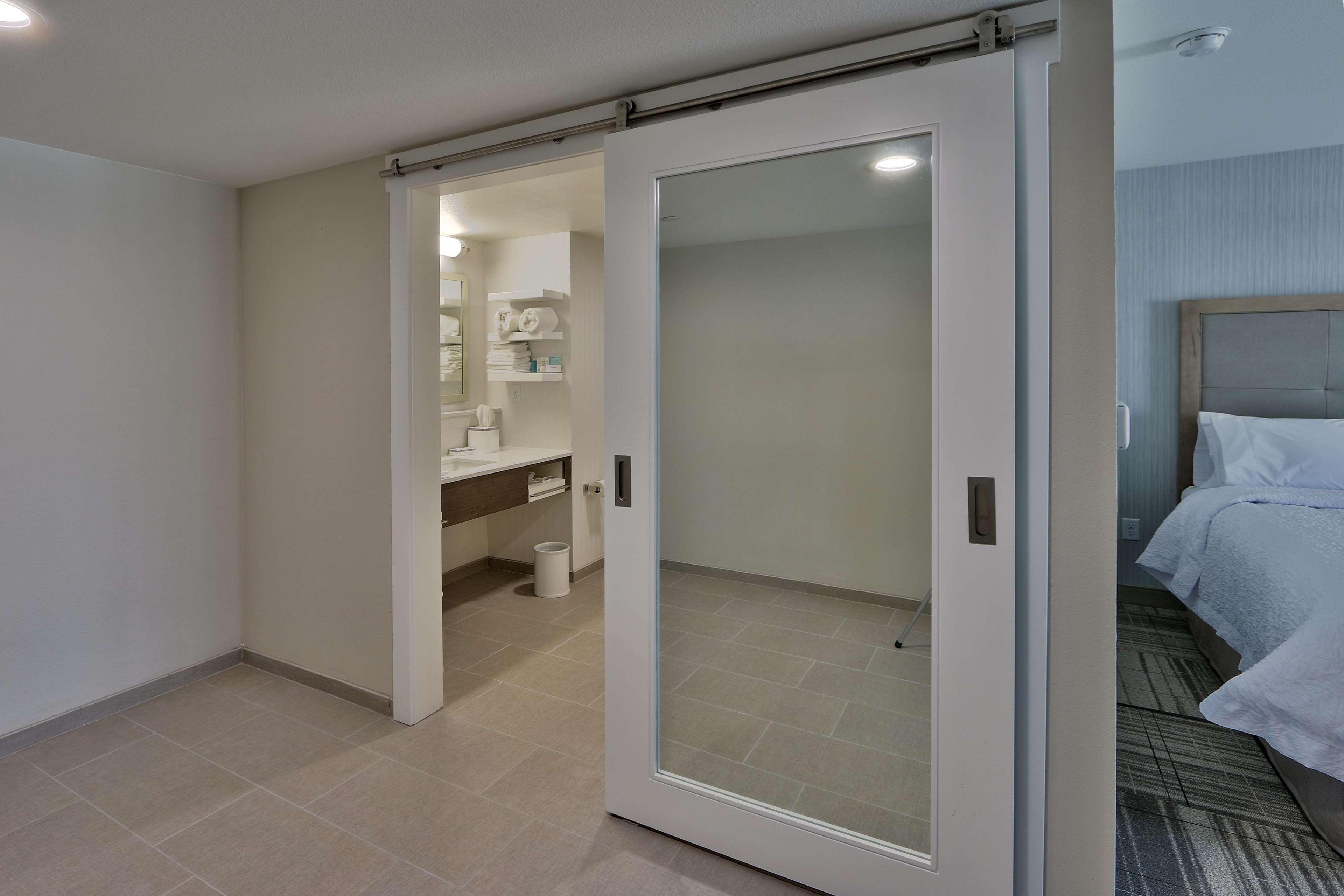 Hampton Inn & Suites Artesia image 7