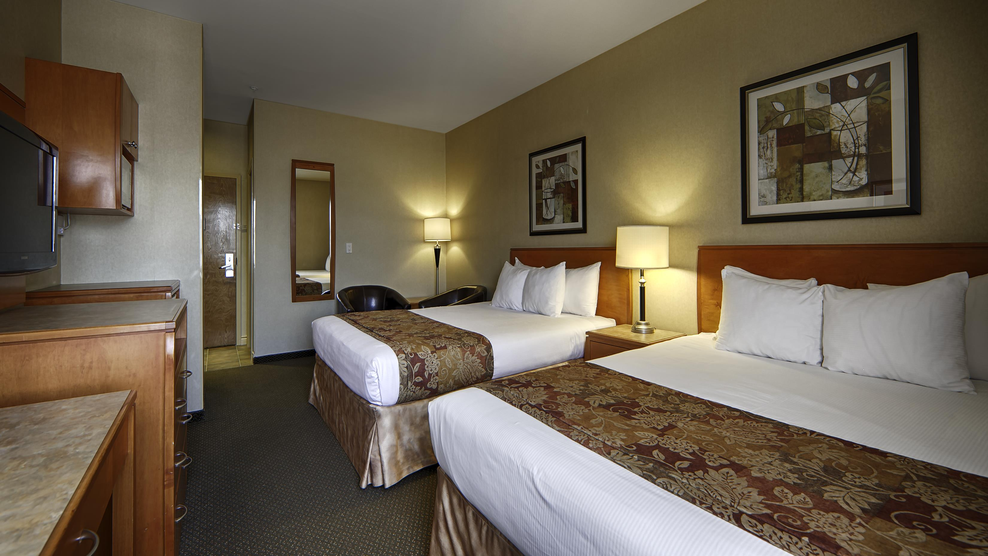 Best Western Peace Arch Inn in Surrey: Two Queen Guest Room
