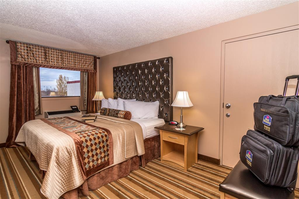 Best Western Marquis Inn & Suites in Prince Albert: King Room