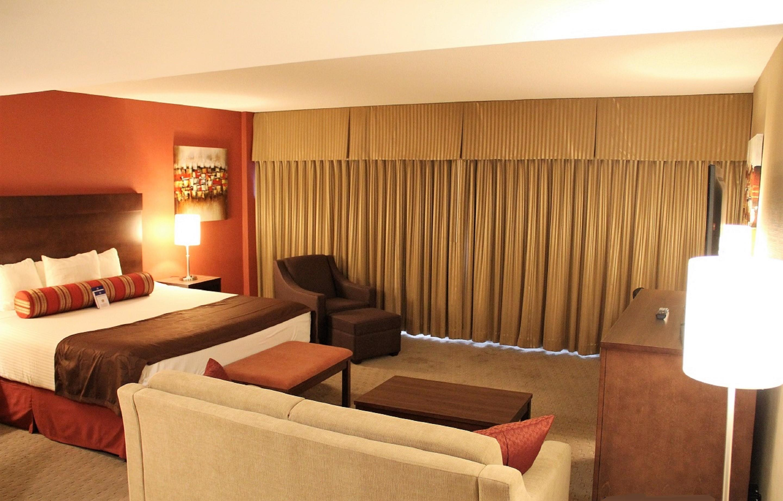Best Western Terrace Inn in Terrace: King Suite - Jacuzzi®