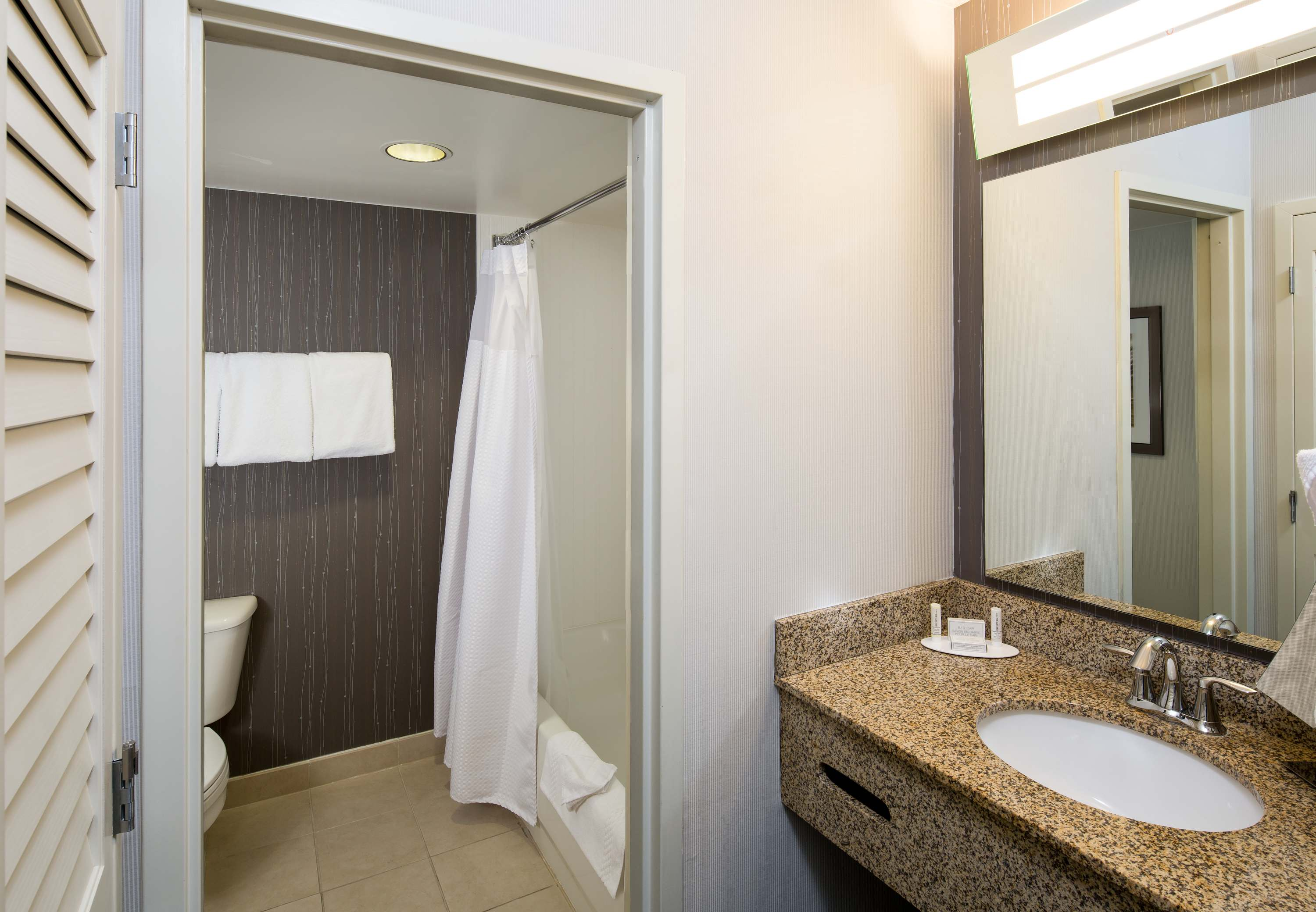 Courtyard by Marriott San Antonio Airport/North Star Mall image 5
