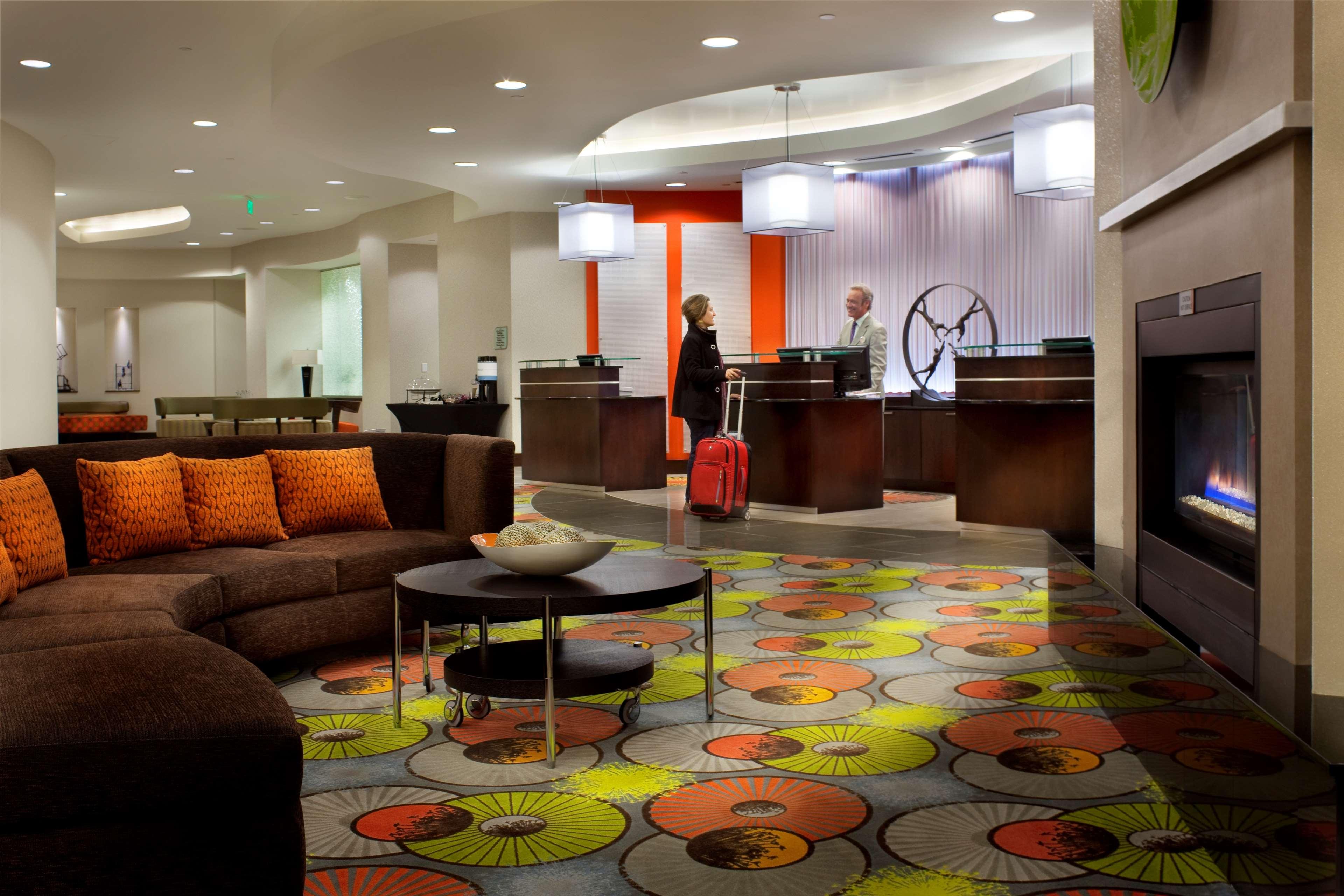 Hilton Garden Inn Denver/Cherry Creek image 3