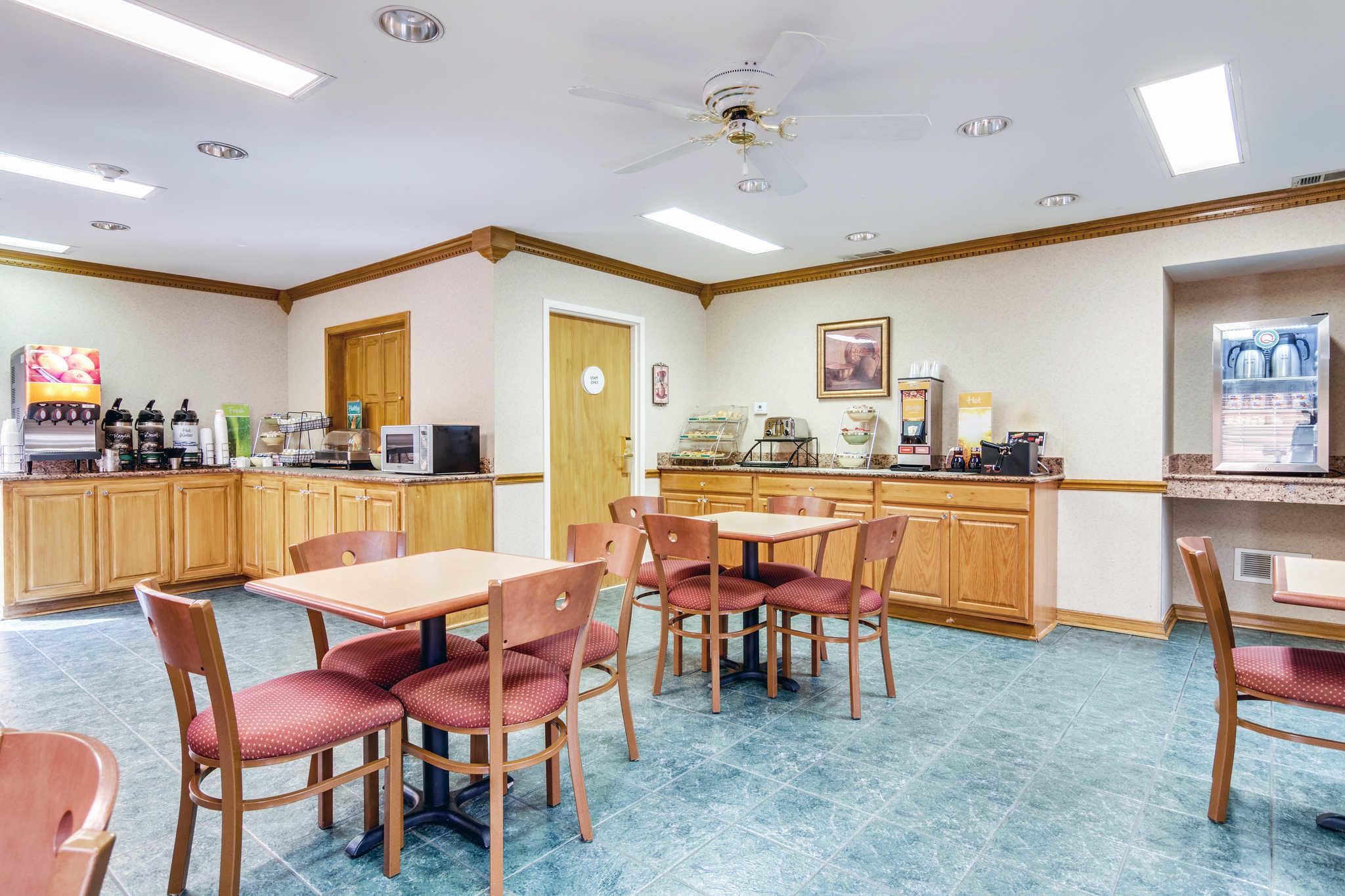 Quality Inn Jacksonville image 3