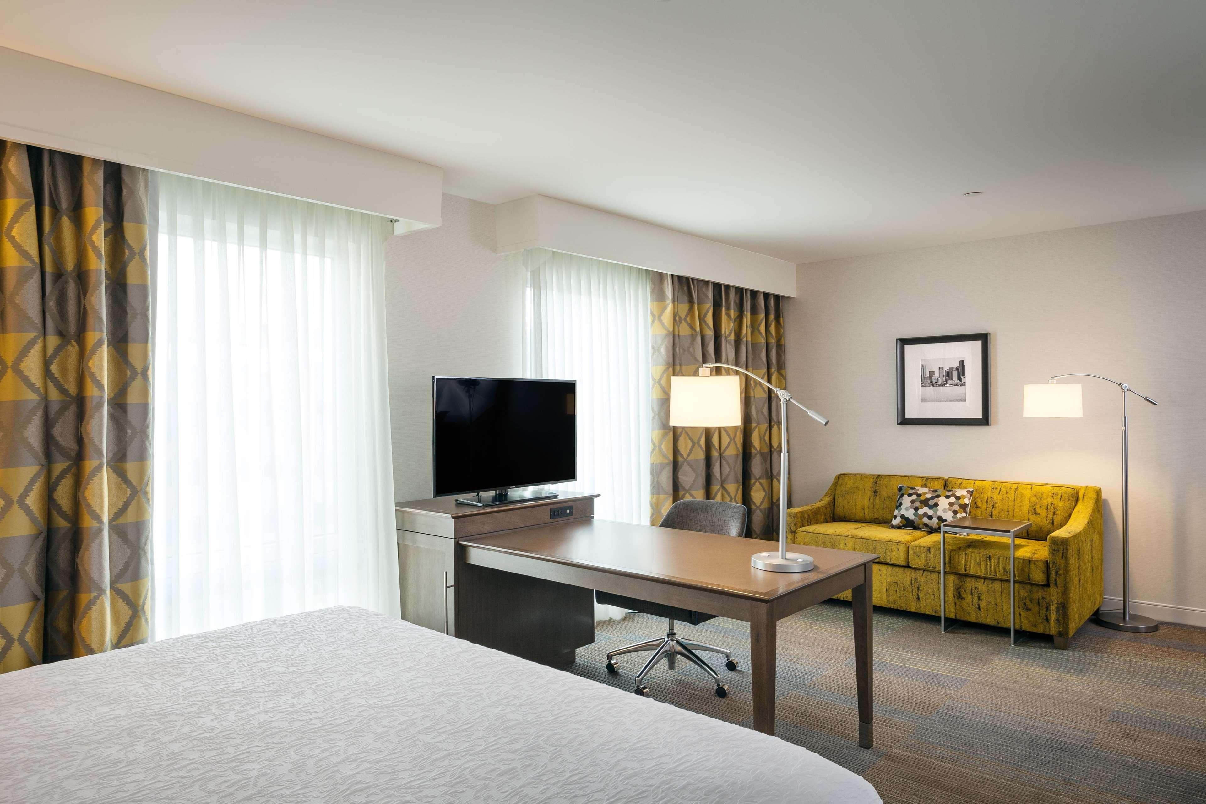Hampton Inn & Suites by Hilton Seattle/Northgate image 32