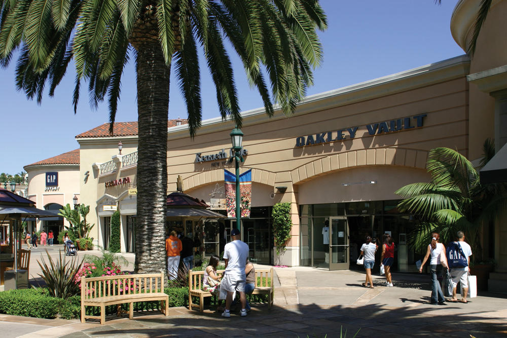 Carlsbad Premium Outlets image 2