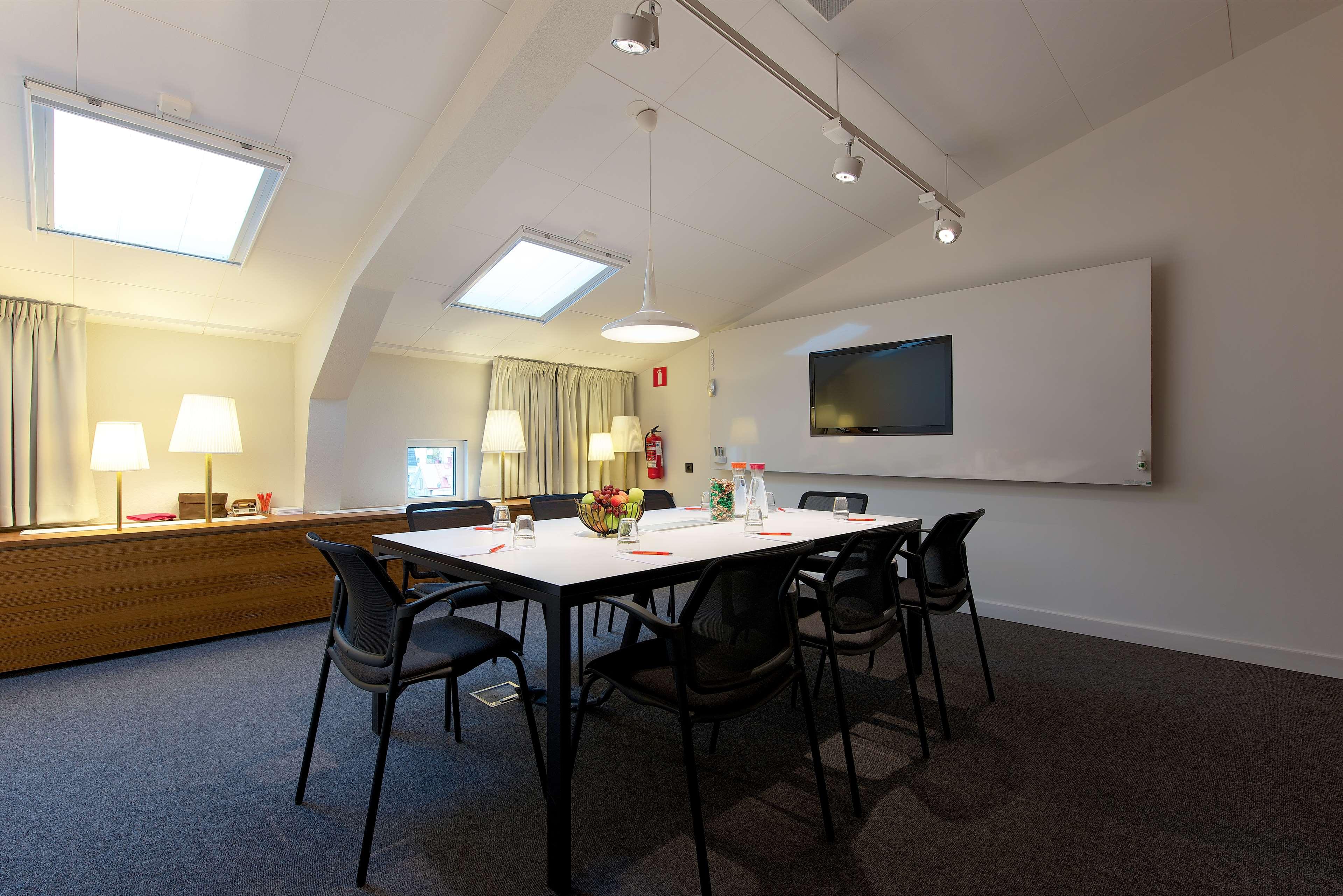 Learjet Meeting Room