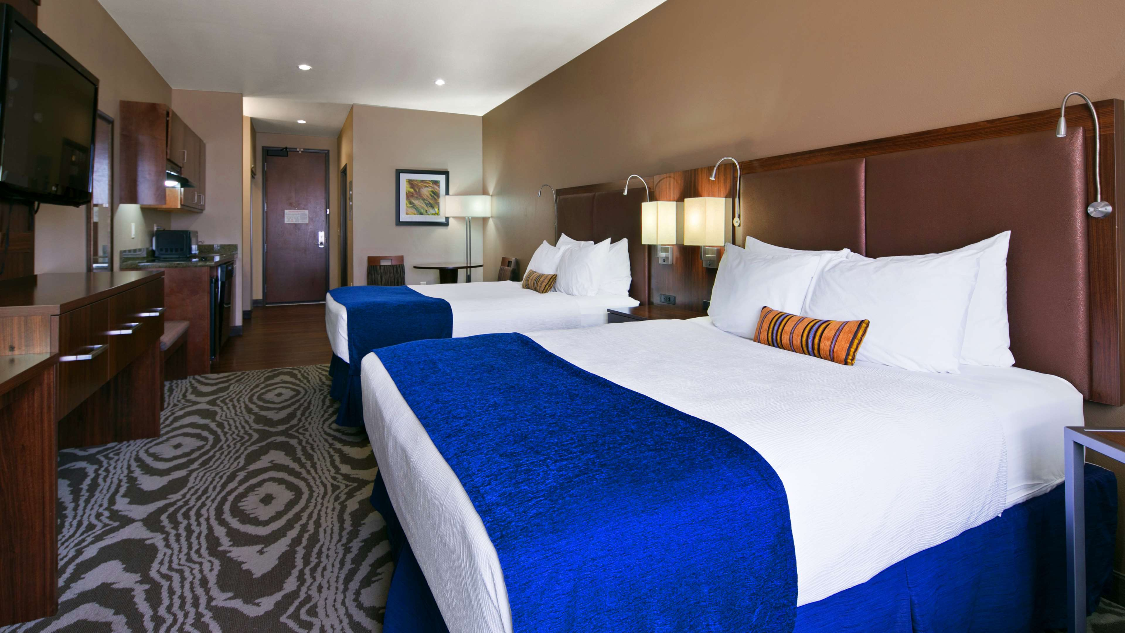 Best Western Plus Williston Hotel & Suites image 14
