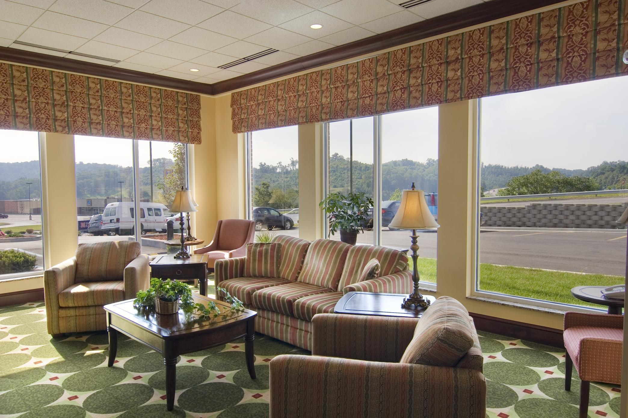 Hilton Garden Inn Clarksburg image 3