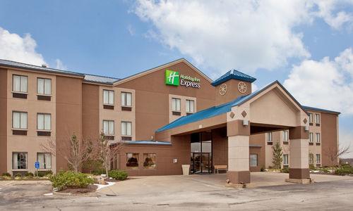 Holiday Inn Express Bonner Springs-Speedway Area