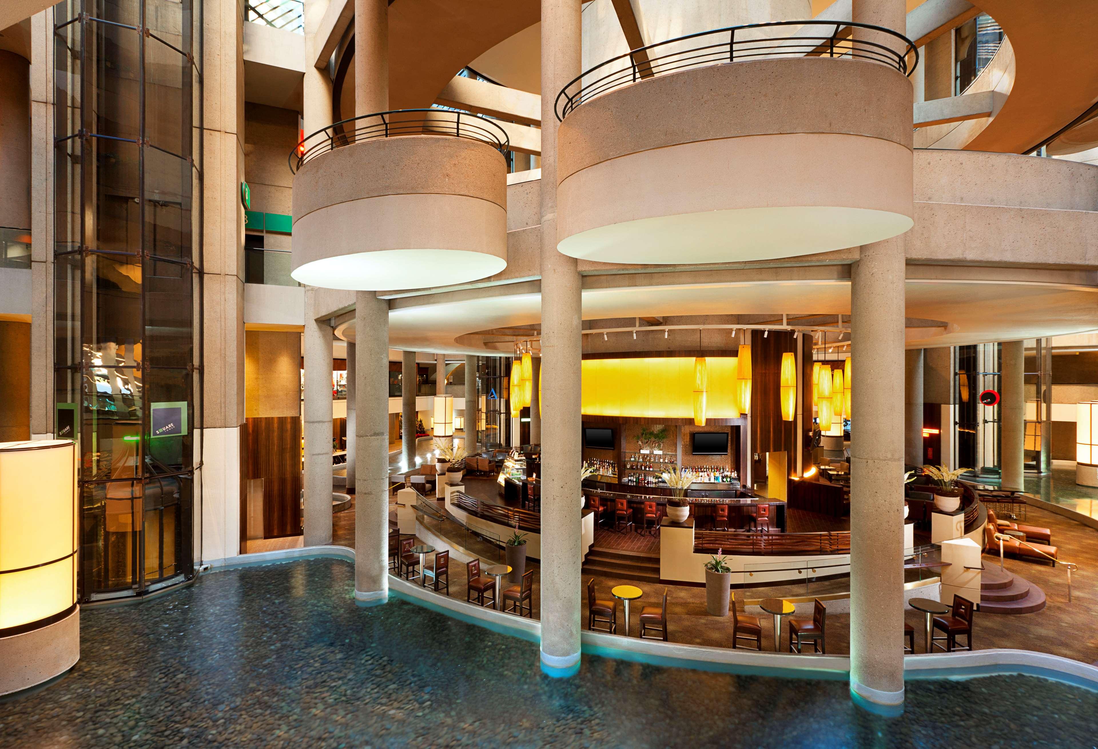 The Westin Bonaventure Hotel & Suites, Los Angeles image 5