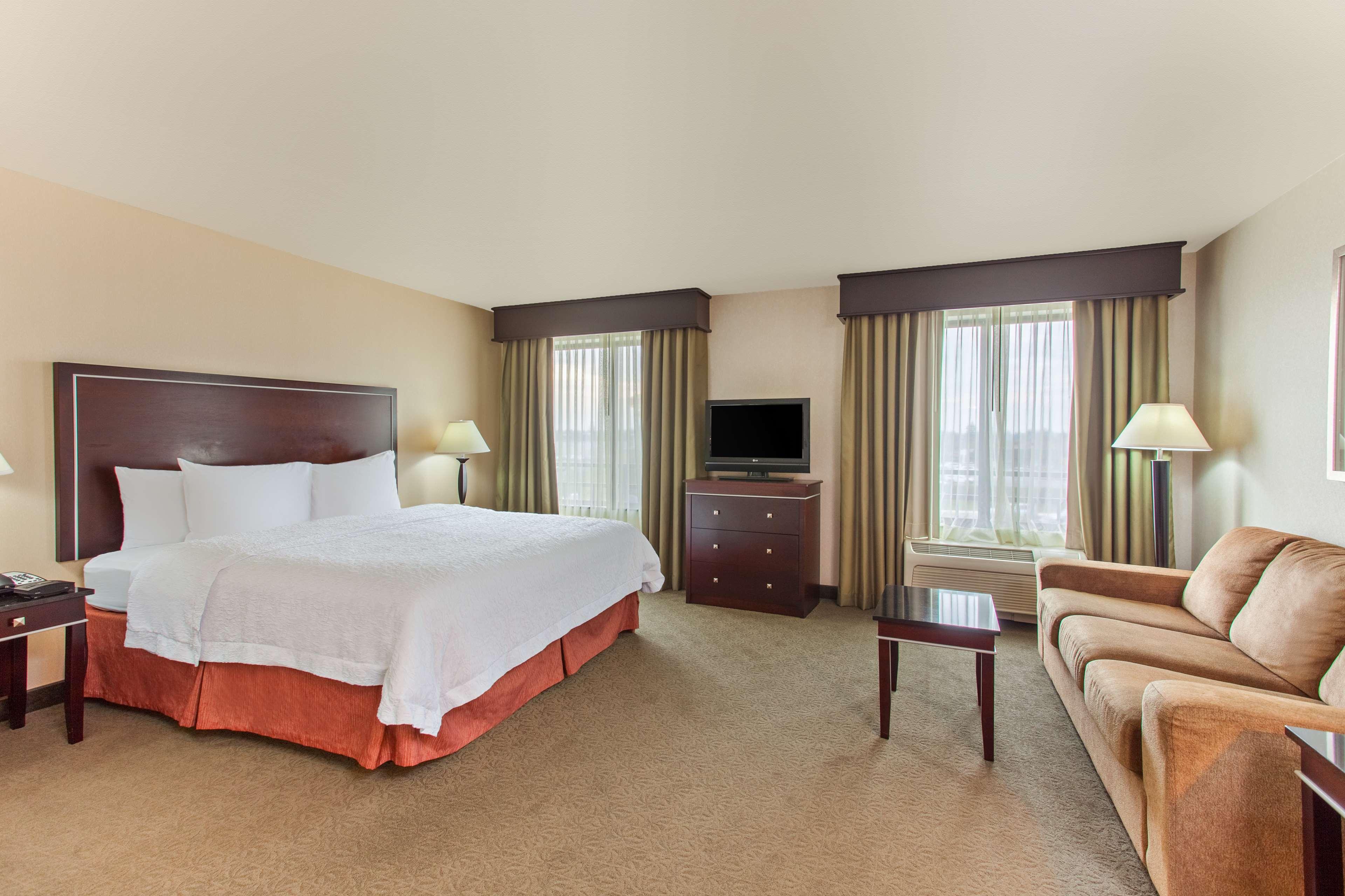 Hampton Inn & Suites Roseville image 10