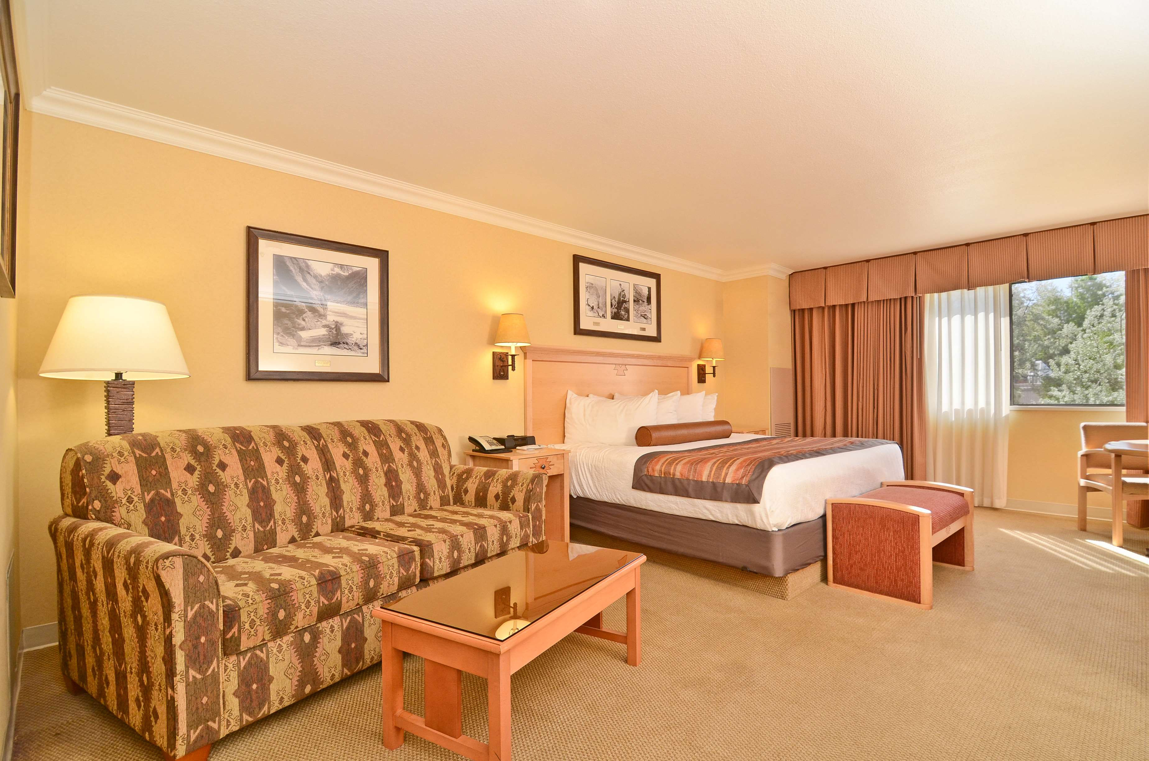Best Western Premier Grand Canyon Squire Inn image 35