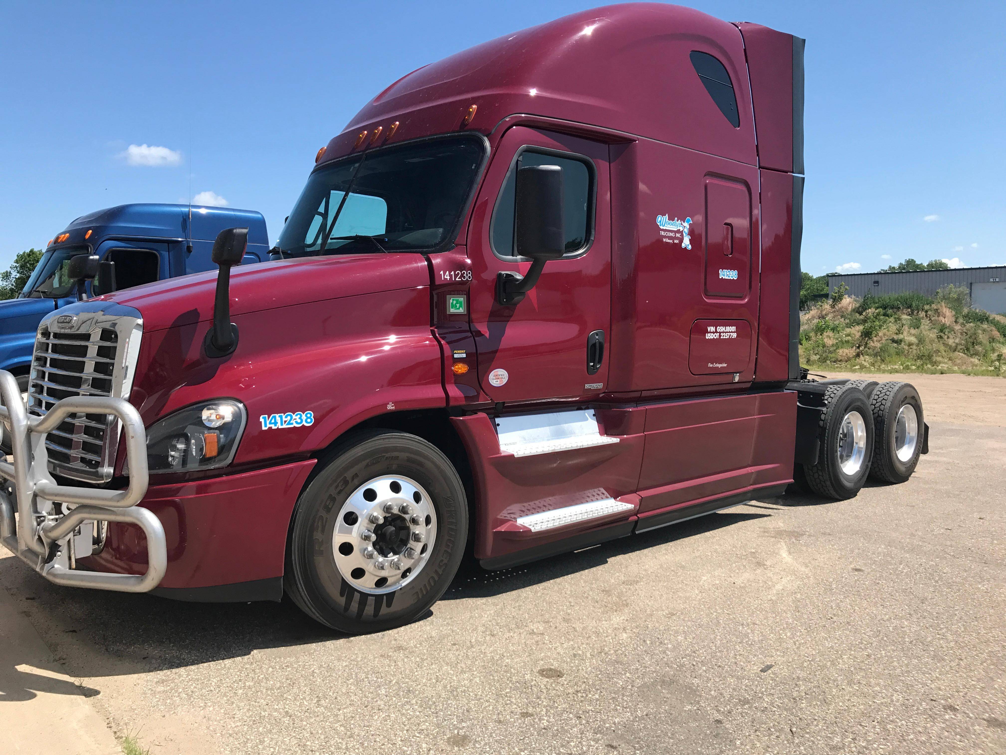 Woody's Trucking Inc. image 6