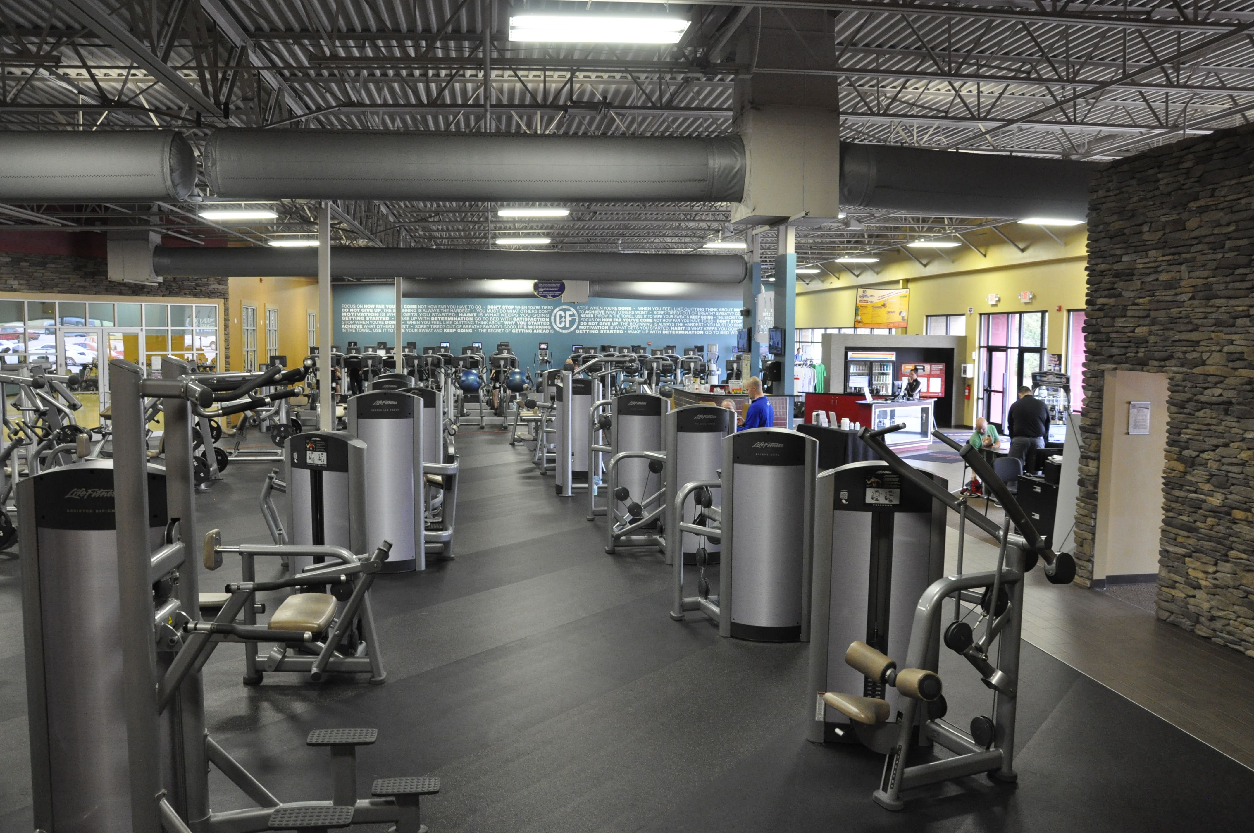 Club Fitness image 6