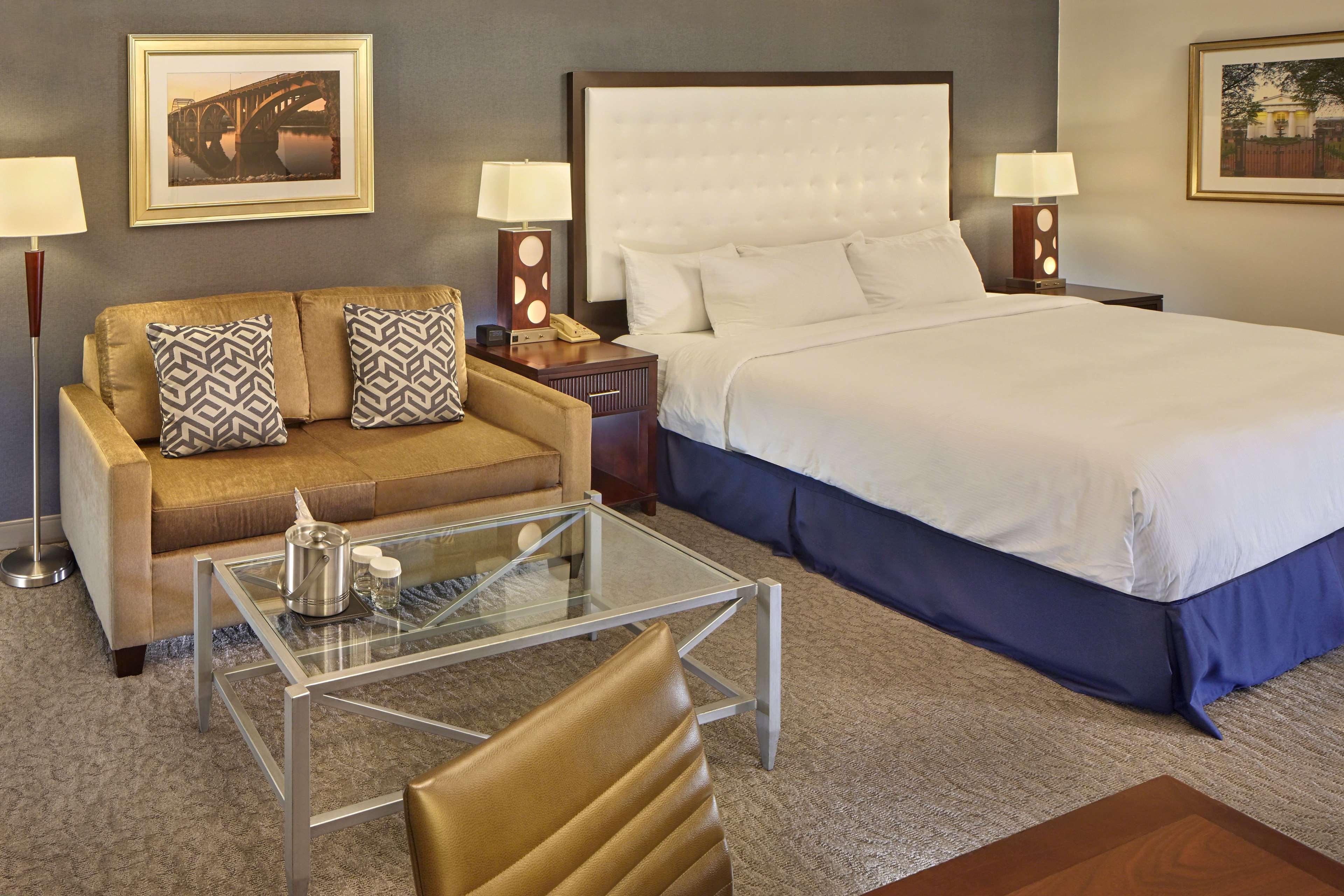 DoubleTree by Hilton Hotel Little Rock image 28
