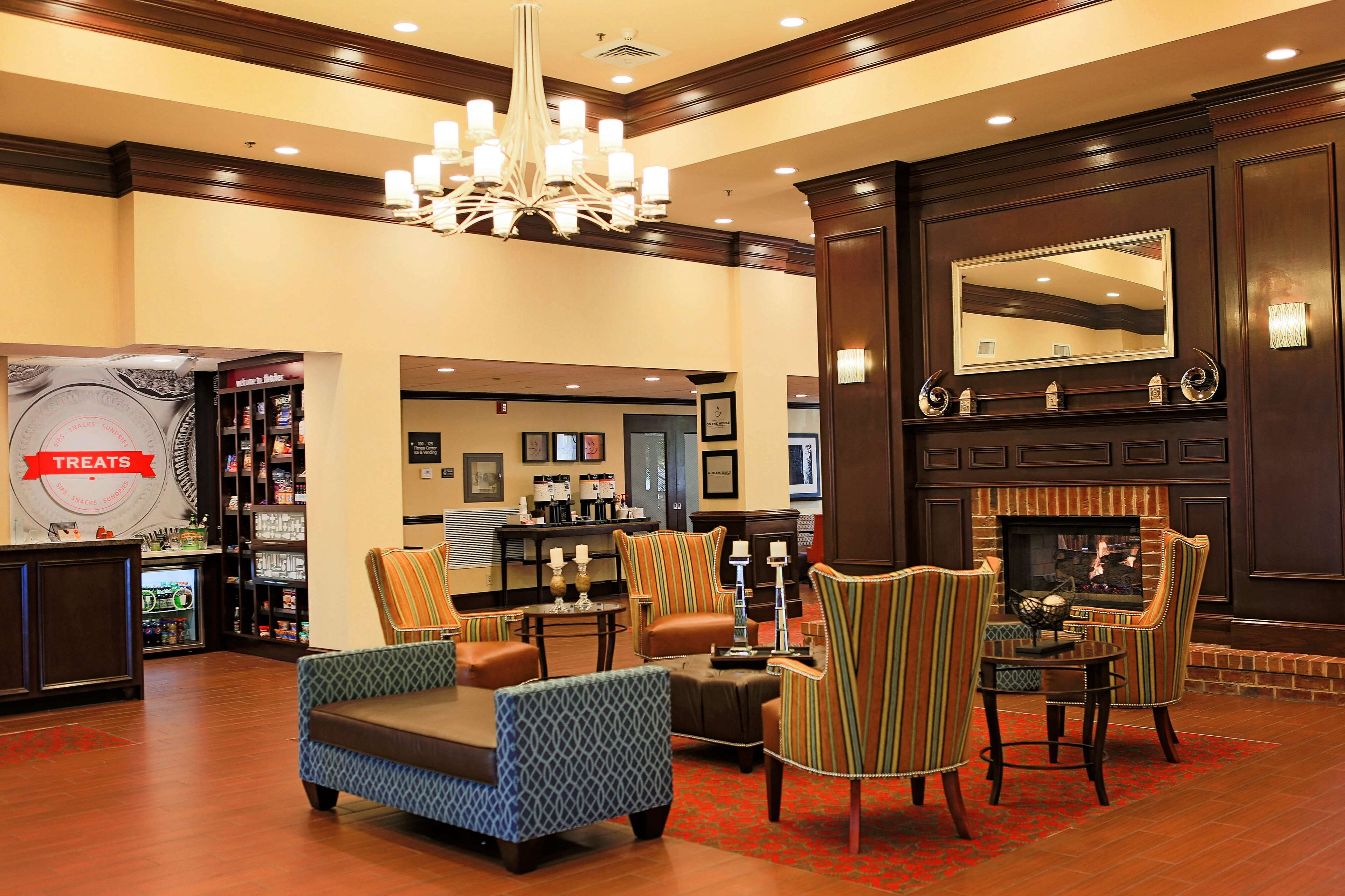 Hampton Inn & Suites Asheville-I-26 image 3