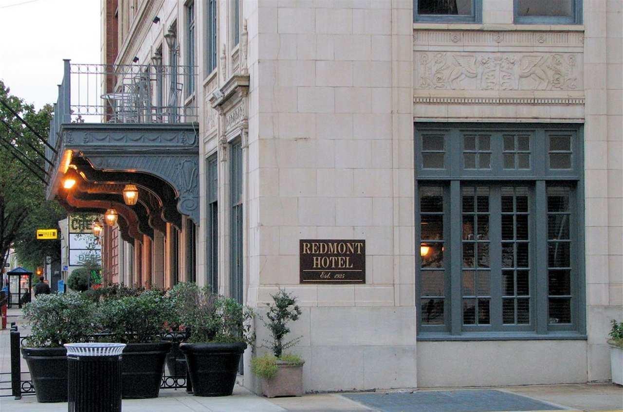 Redmont Hotel Birmingham, Curio Collection by Hilton