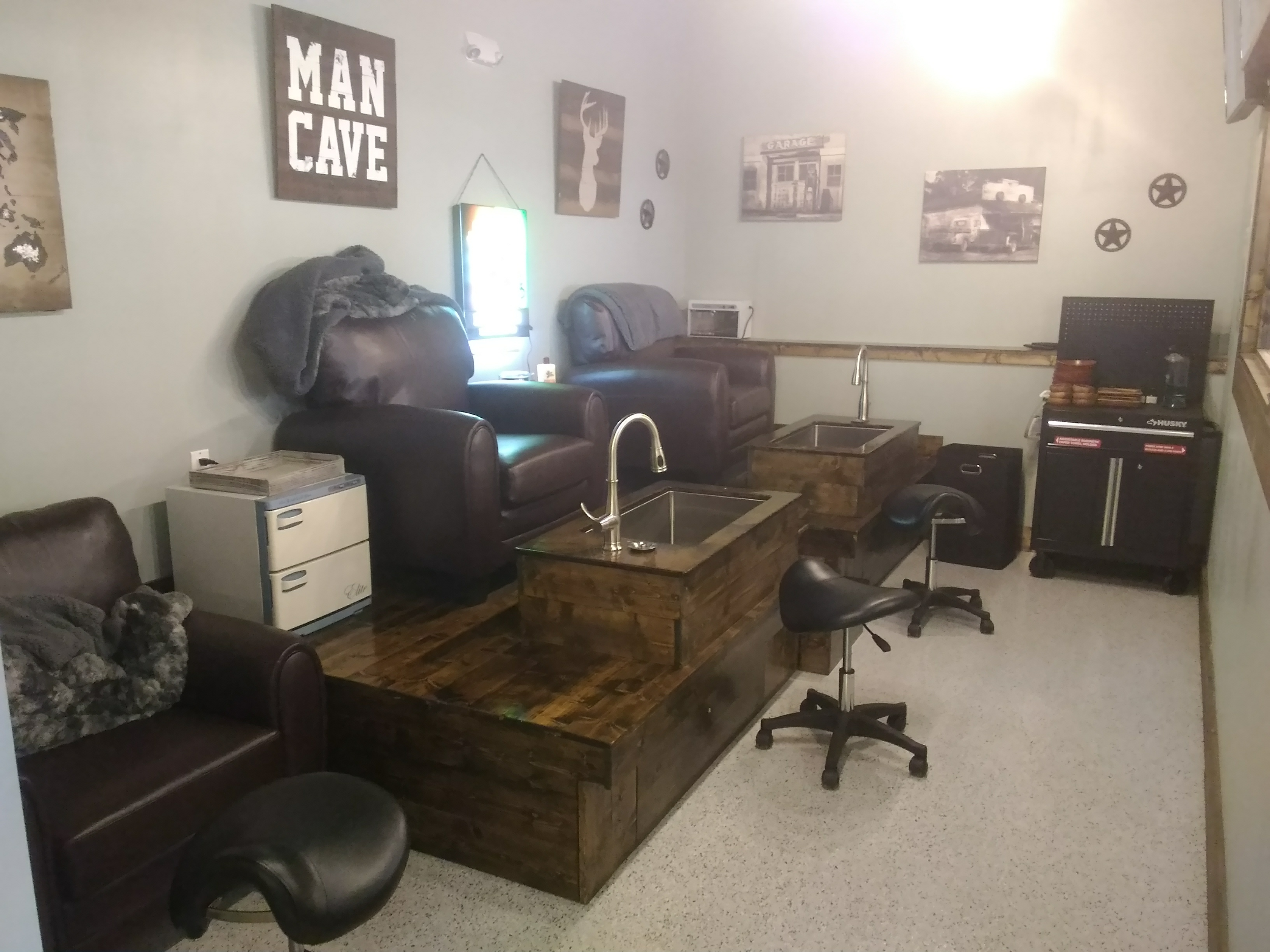 """Tune Up """"The Manly Salon"""""""