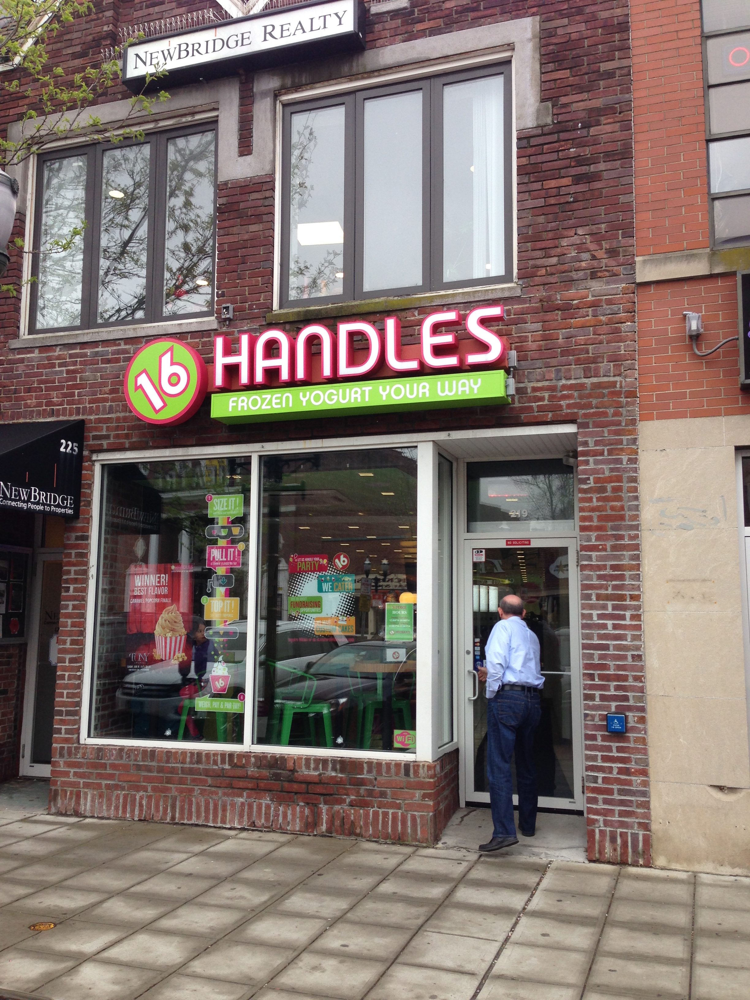 16 handles in stamford ct 203 817 0707 for Fish restaurant stamford ct