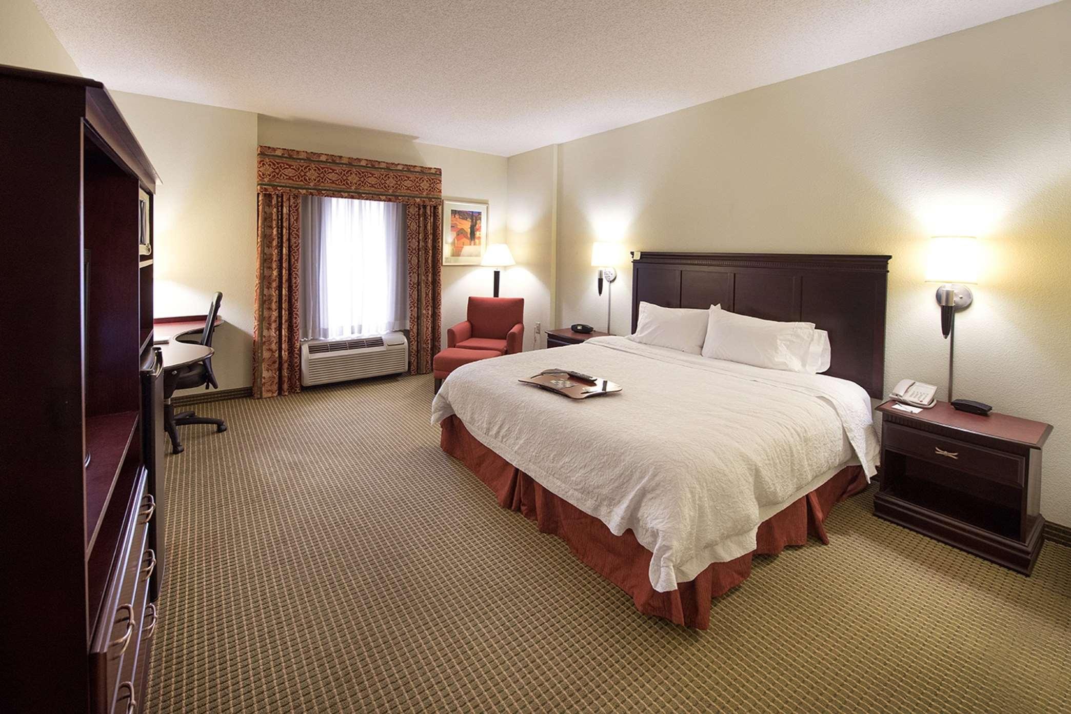 Hampton Inn Atlanta/Fayetteville image 24