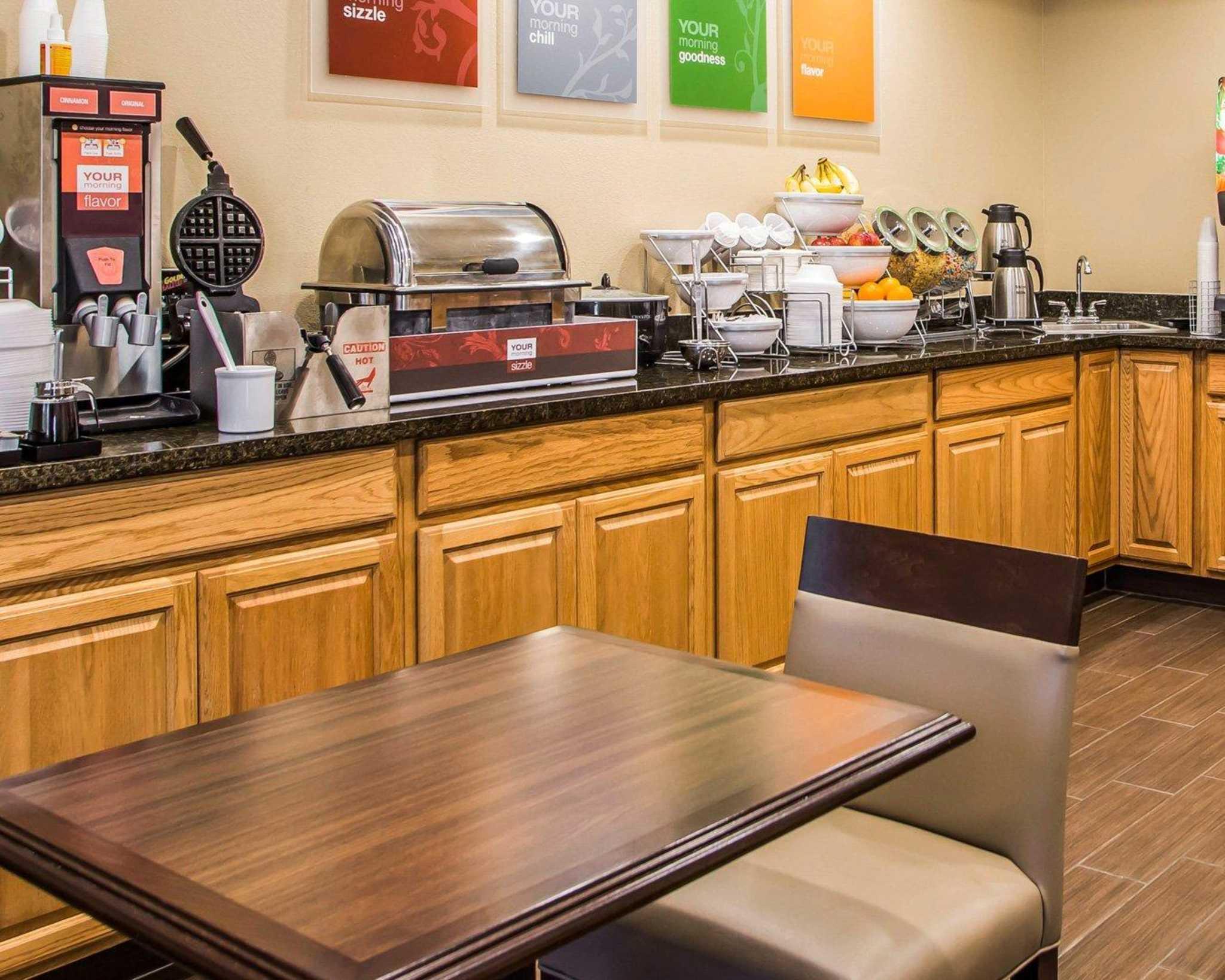 Comfort Inn & Suites Waterloo – Cedar Falls image 20