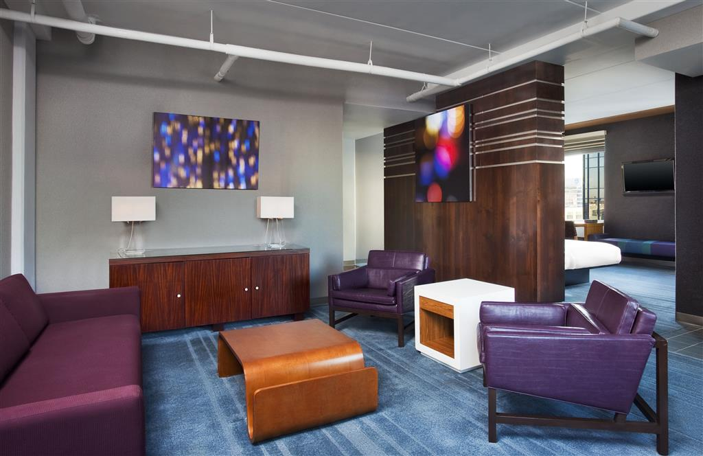 Aloft Charlotte Uptown at the EpiCentre image 17