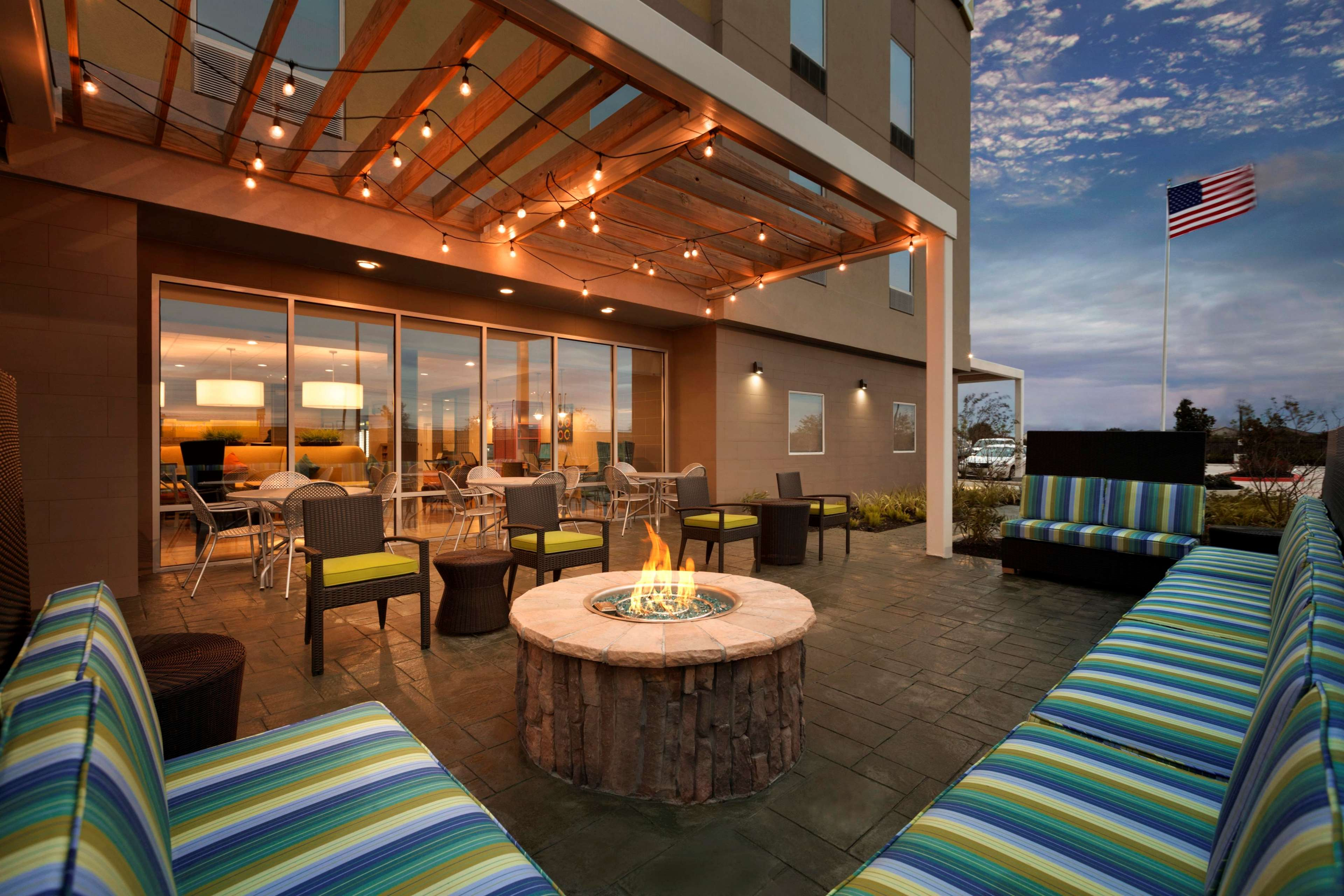 Home2 Suites by Hilton Houston Pasadena image 18