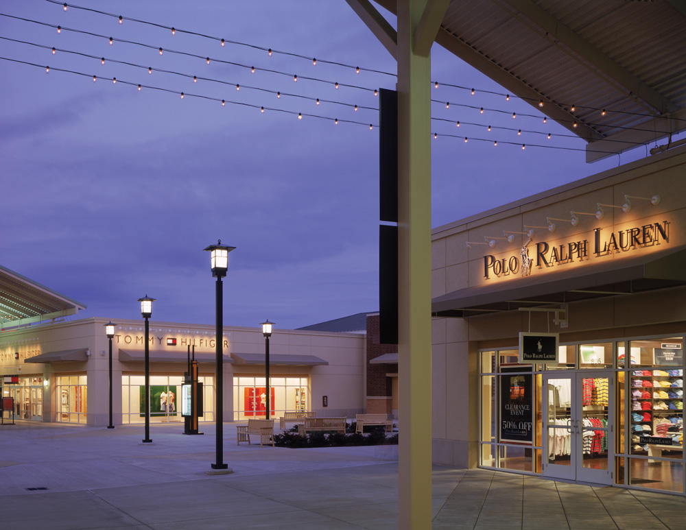 Chicago Premium Outlets image 13