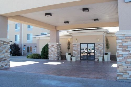 Holiday Inn Express & Suites Lexington image 1