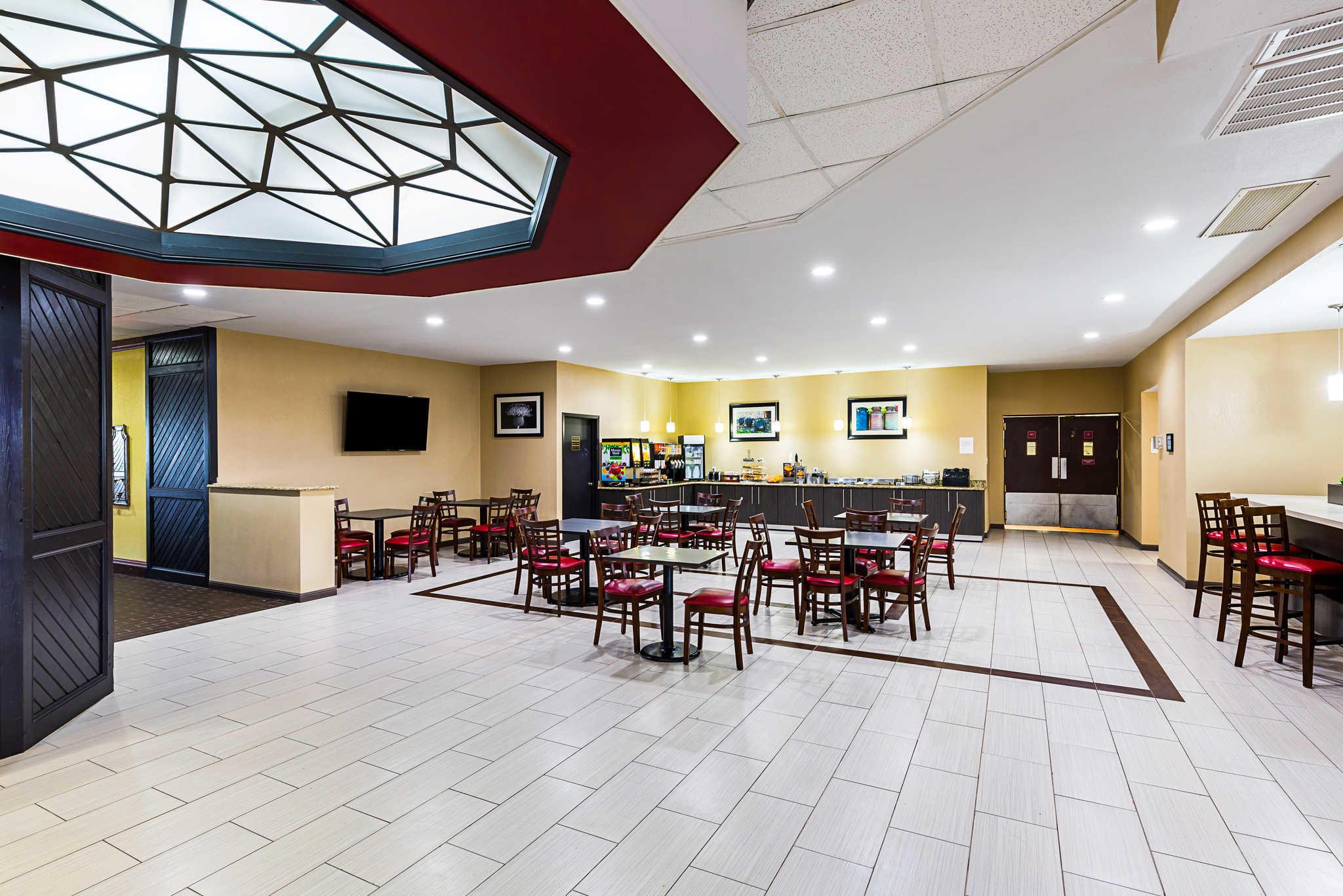Clarion Inn image 26