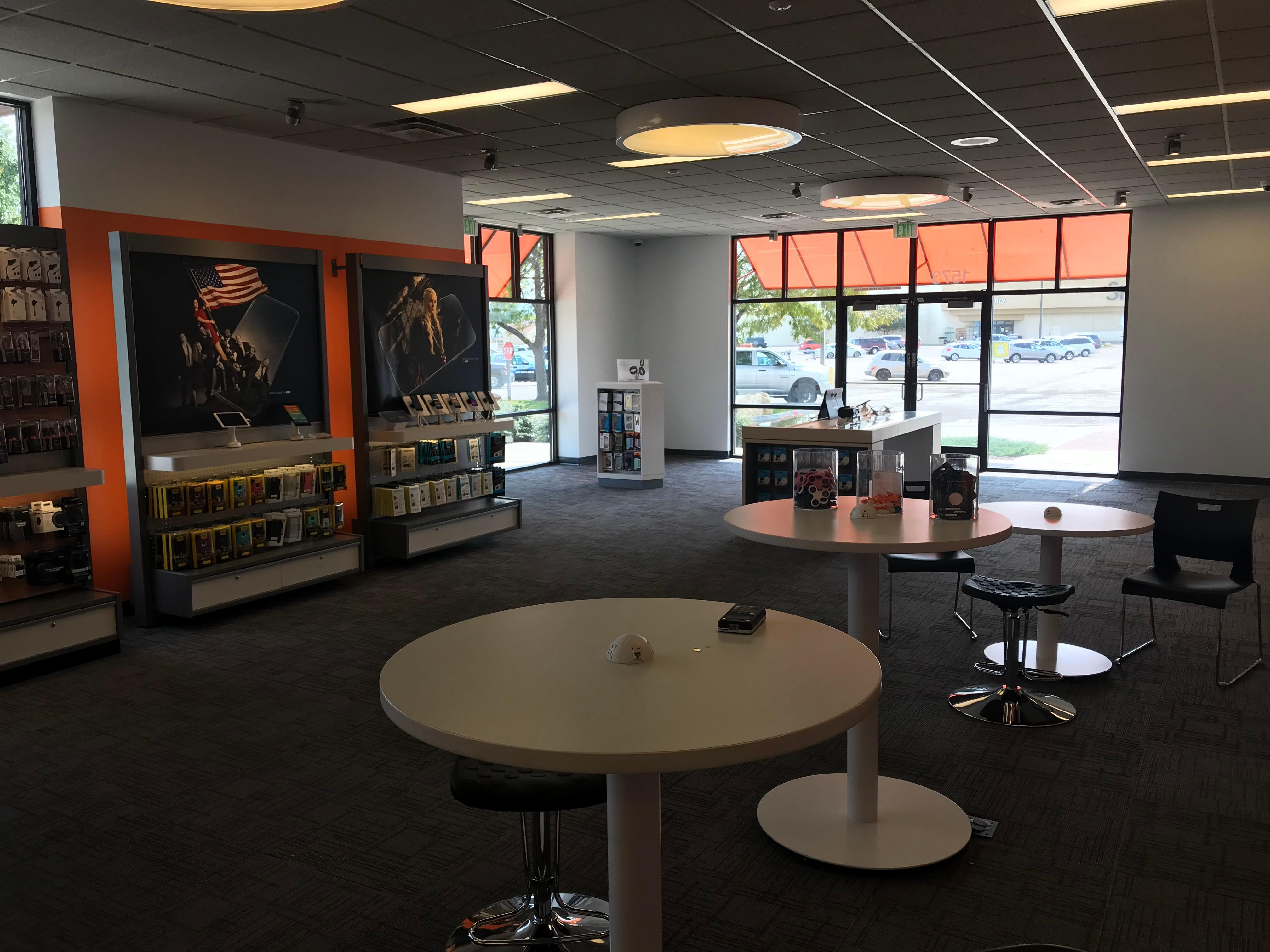 AT&T Store image 5
