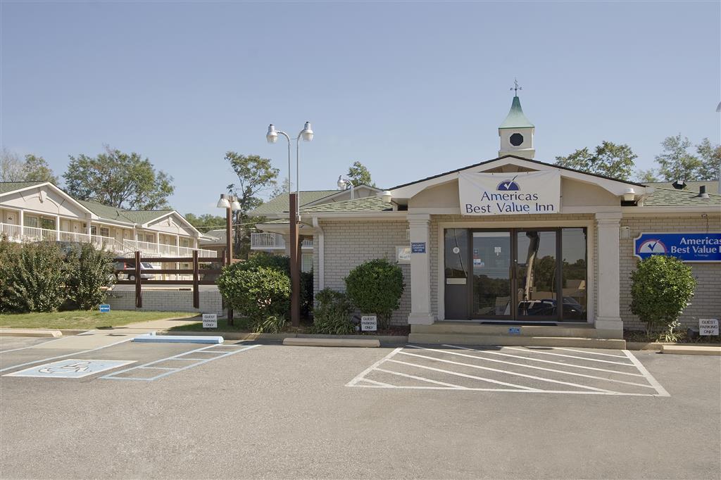 Americas Best Value Inn - Tuscaloosa image 1