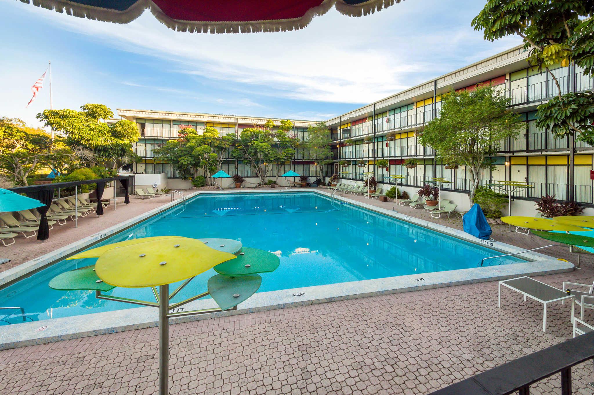 Quality Inn & Suites image 34