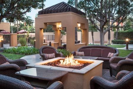 Courtyard Irvine John Wayne Airport/Orange County Outdoor Patio
