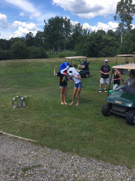 Golf on the Edge image 9