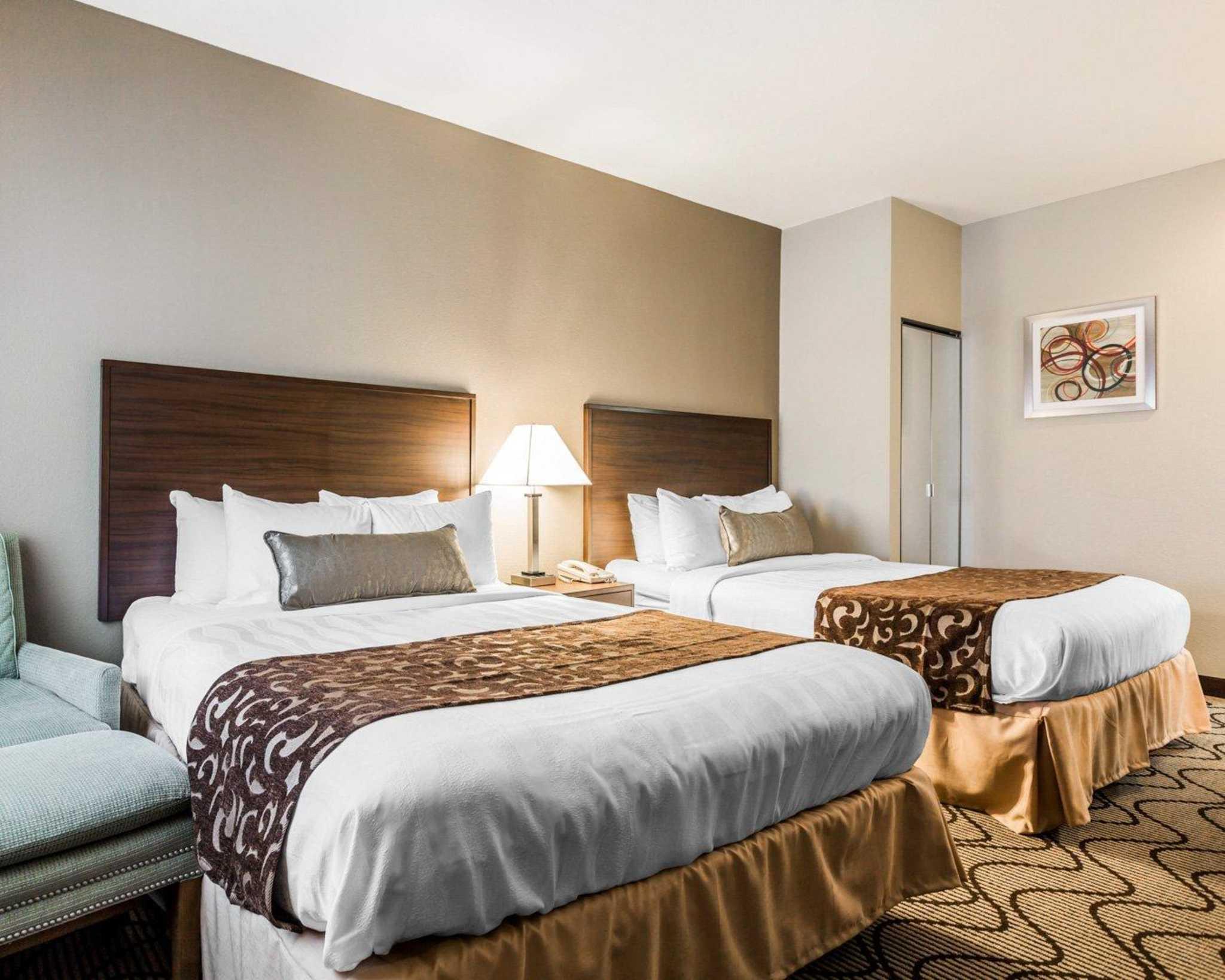 Comfort Inn & Suites Orange County John Wayne Airport image 0