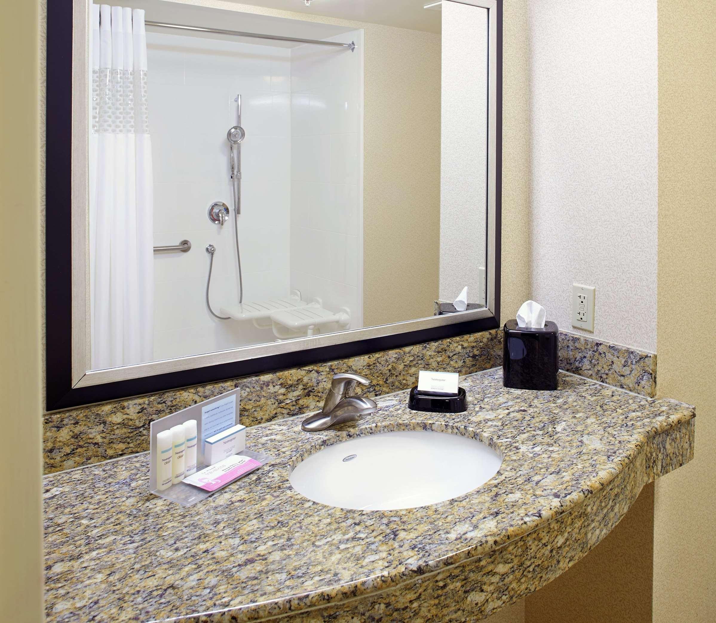 Hampton Inn & Suites Clearwater/St. Petersburg-Ulmerton Road, FL image 26