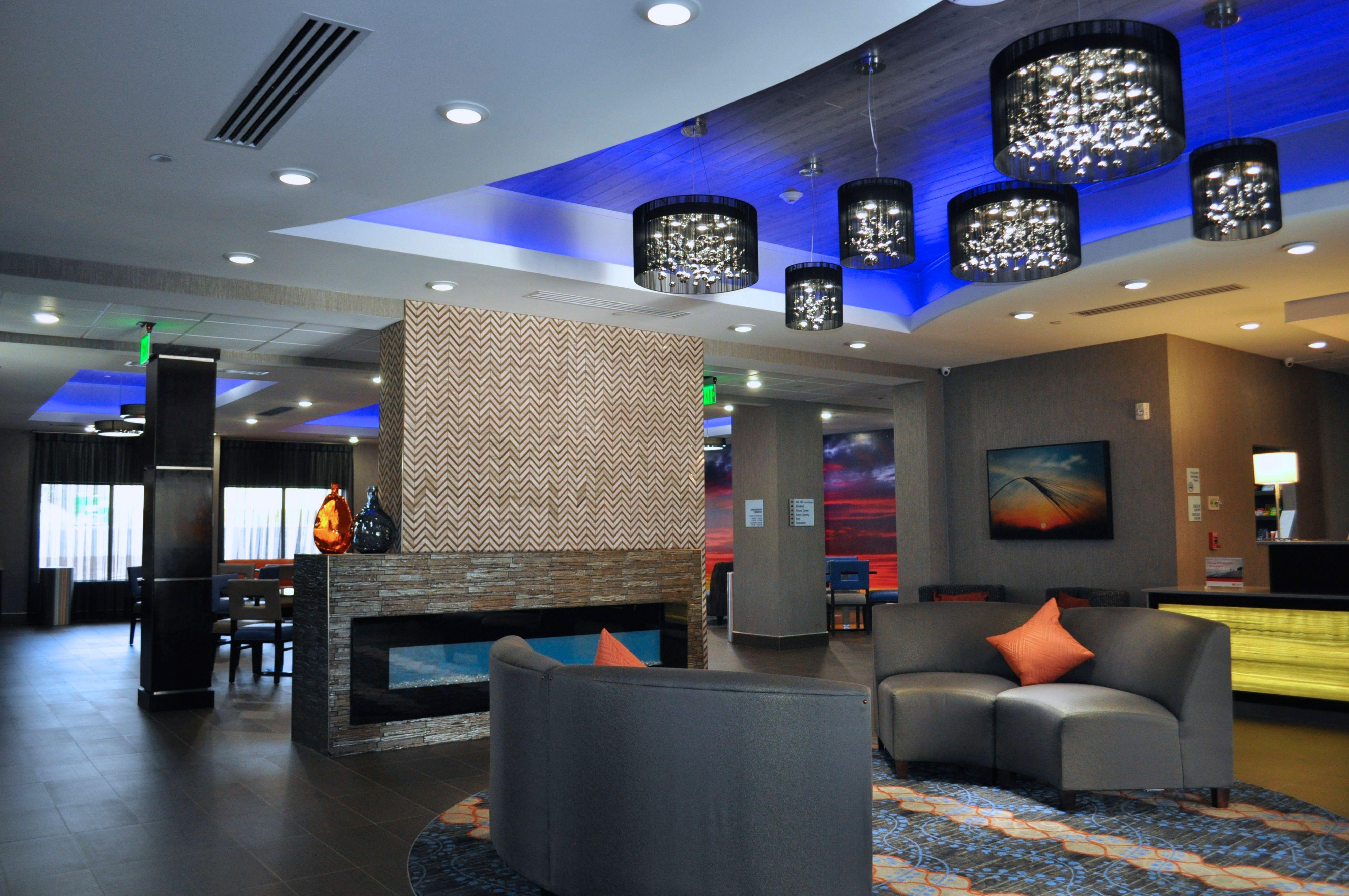 Holiday Inn Express & Suites Oklahoma City Southeast - I-35 image 3