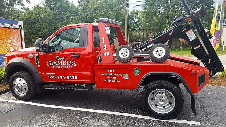 Earl Chambers Wrecker Service image 3