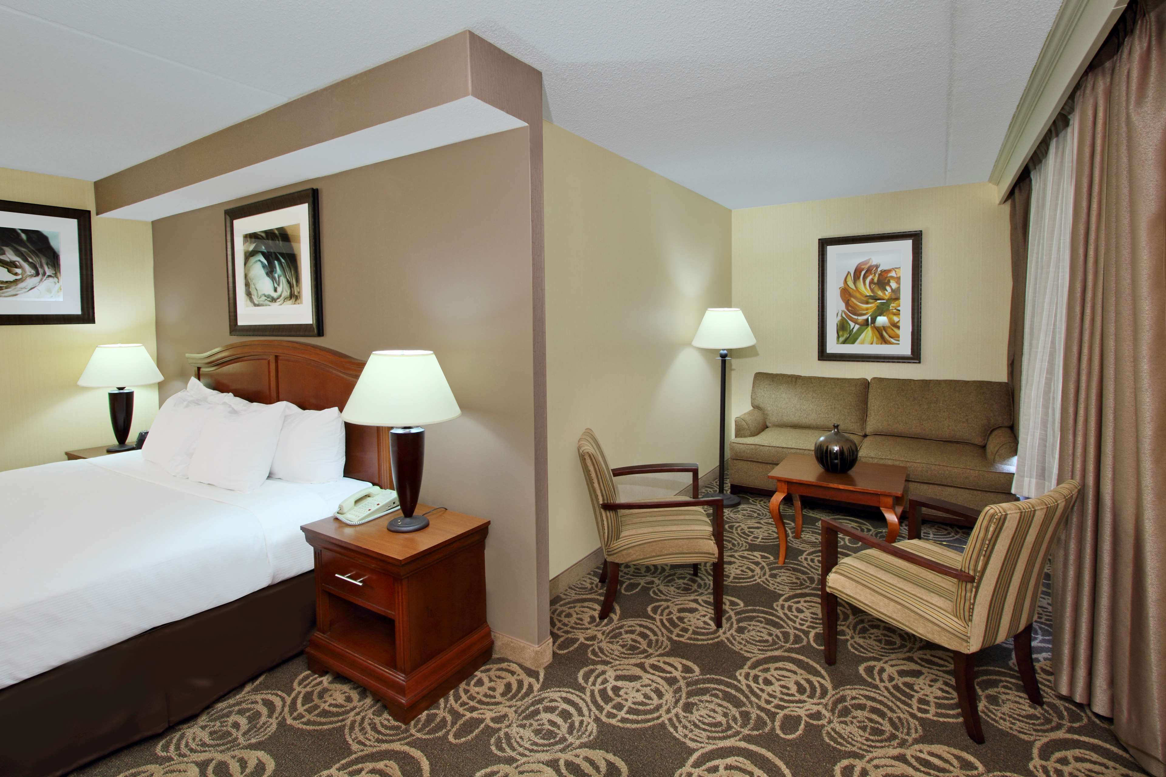 DoubleTree by Hilton Hotel Mahwah image 13
