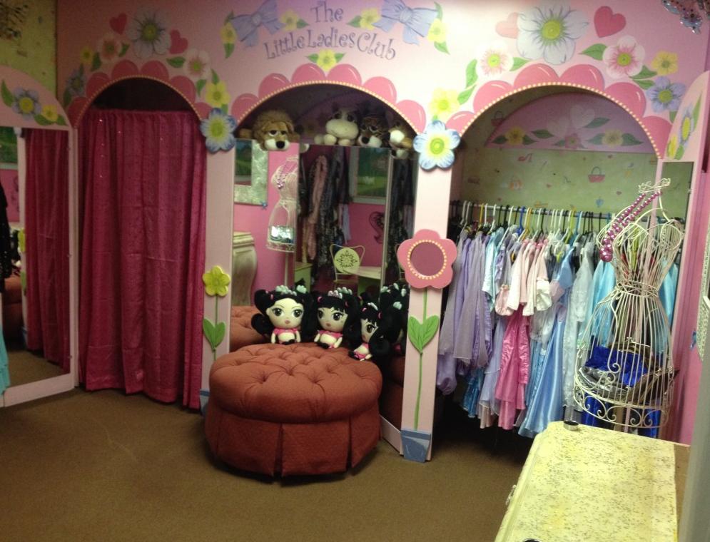 The Little Ladies Club image 5