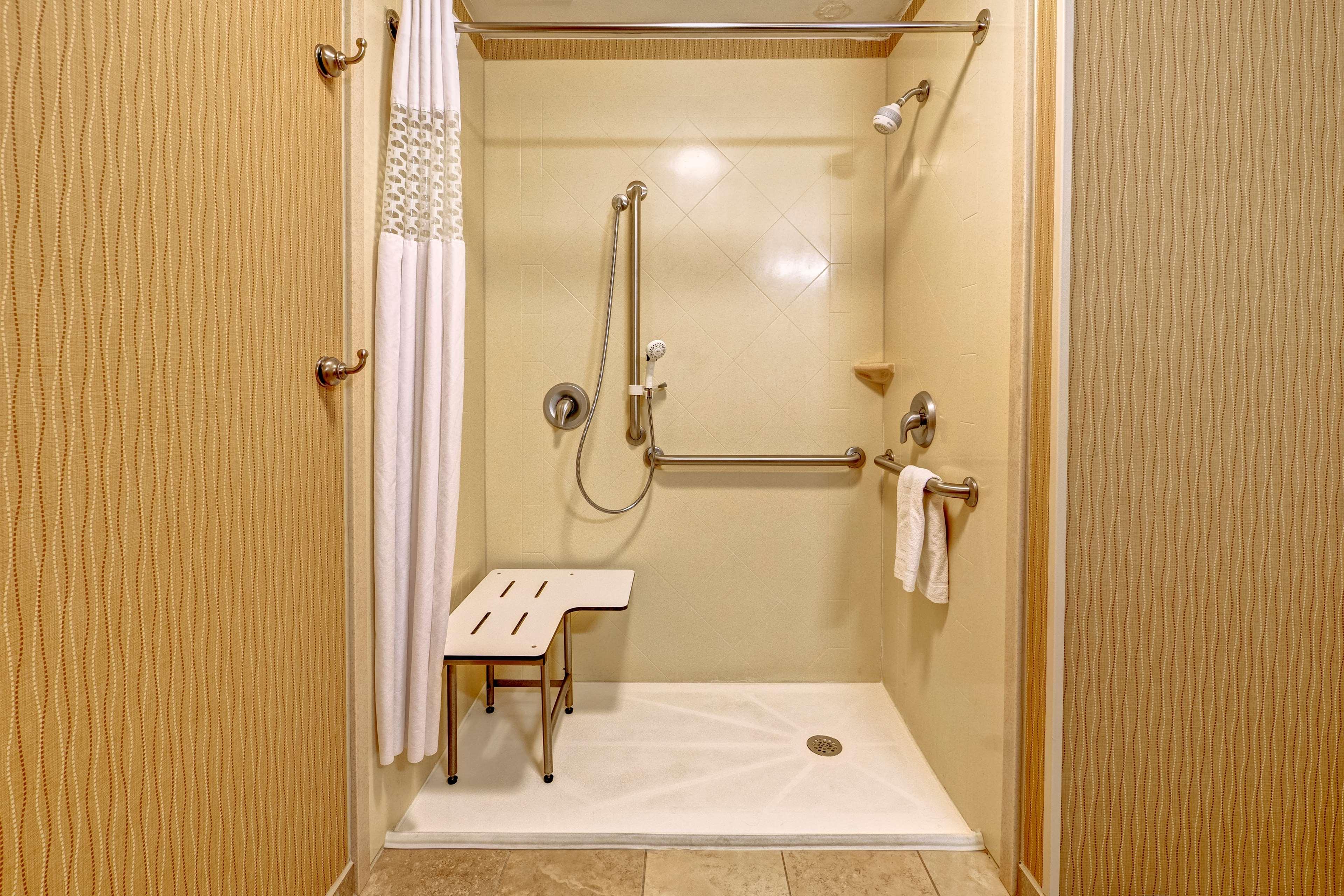 Hampton Inn Suites Minneapolis St Paul Arpt-Mall of America image 13