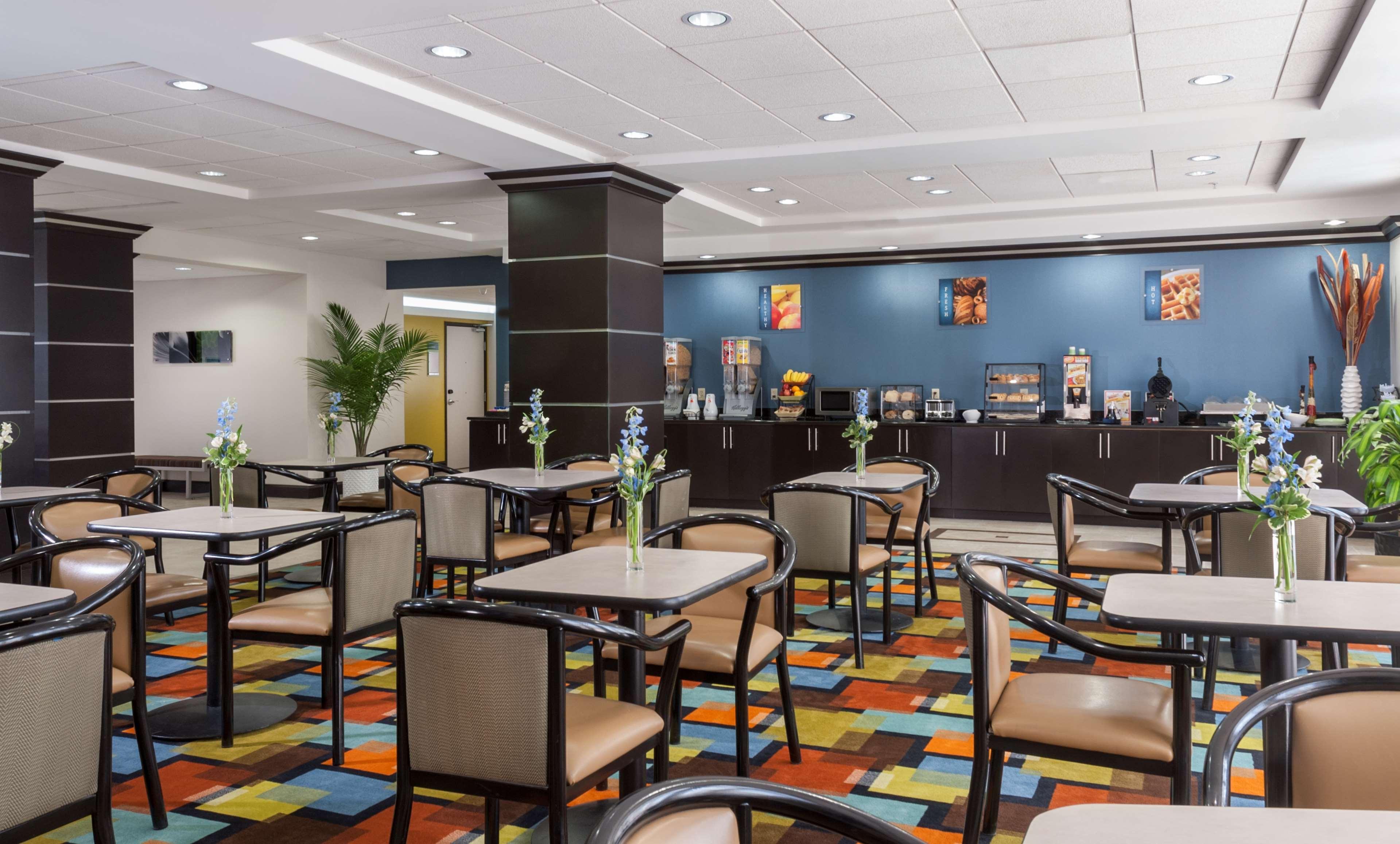 Best Western Plus JFK Inn & Suites image 8