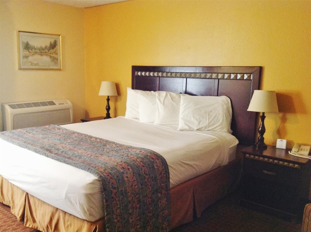 Americas Best Value Inn Kettleman City image 2